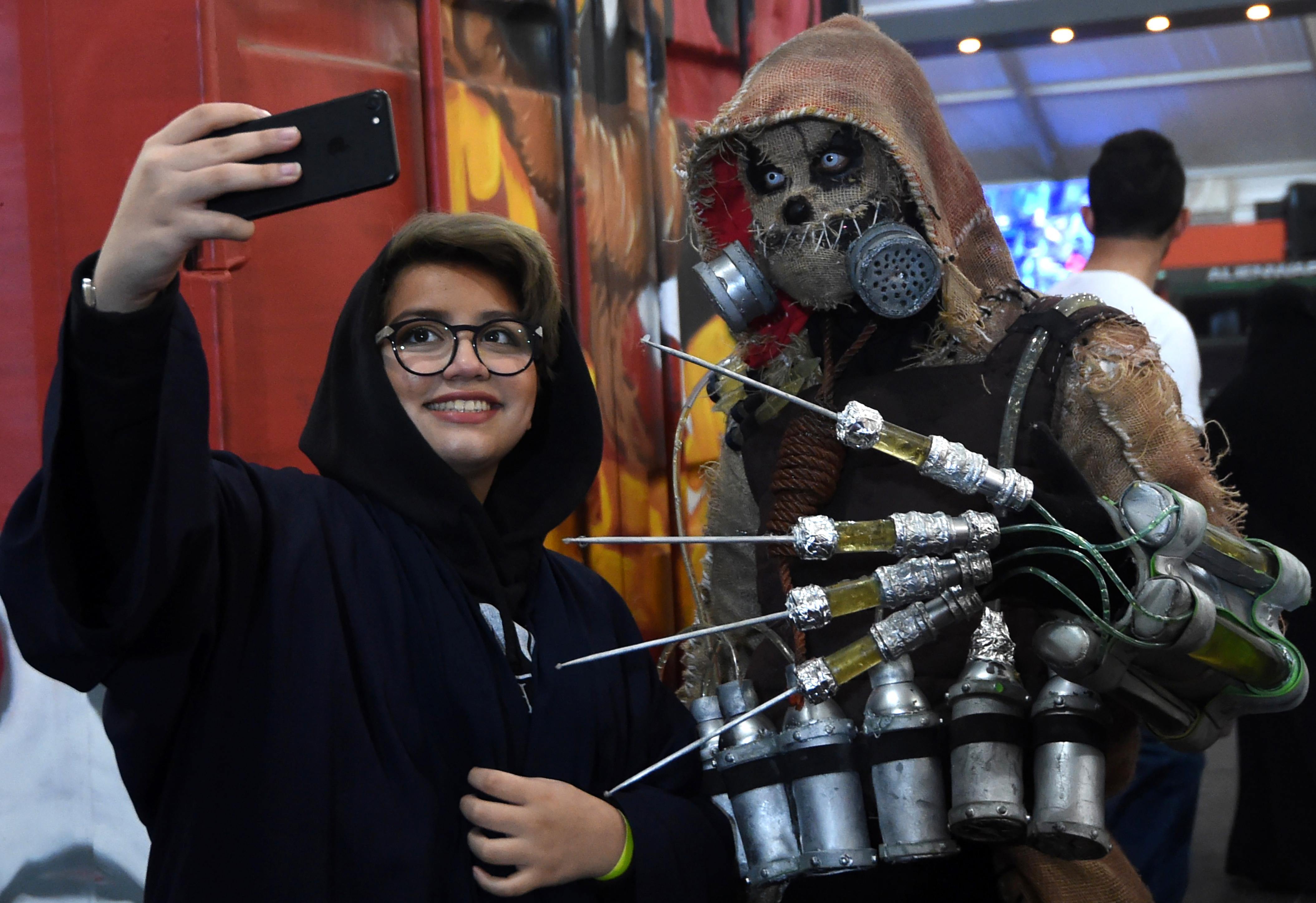 Több évtizedes tiltás után nyithatnak újra a mozik Szaúd-Arábiában