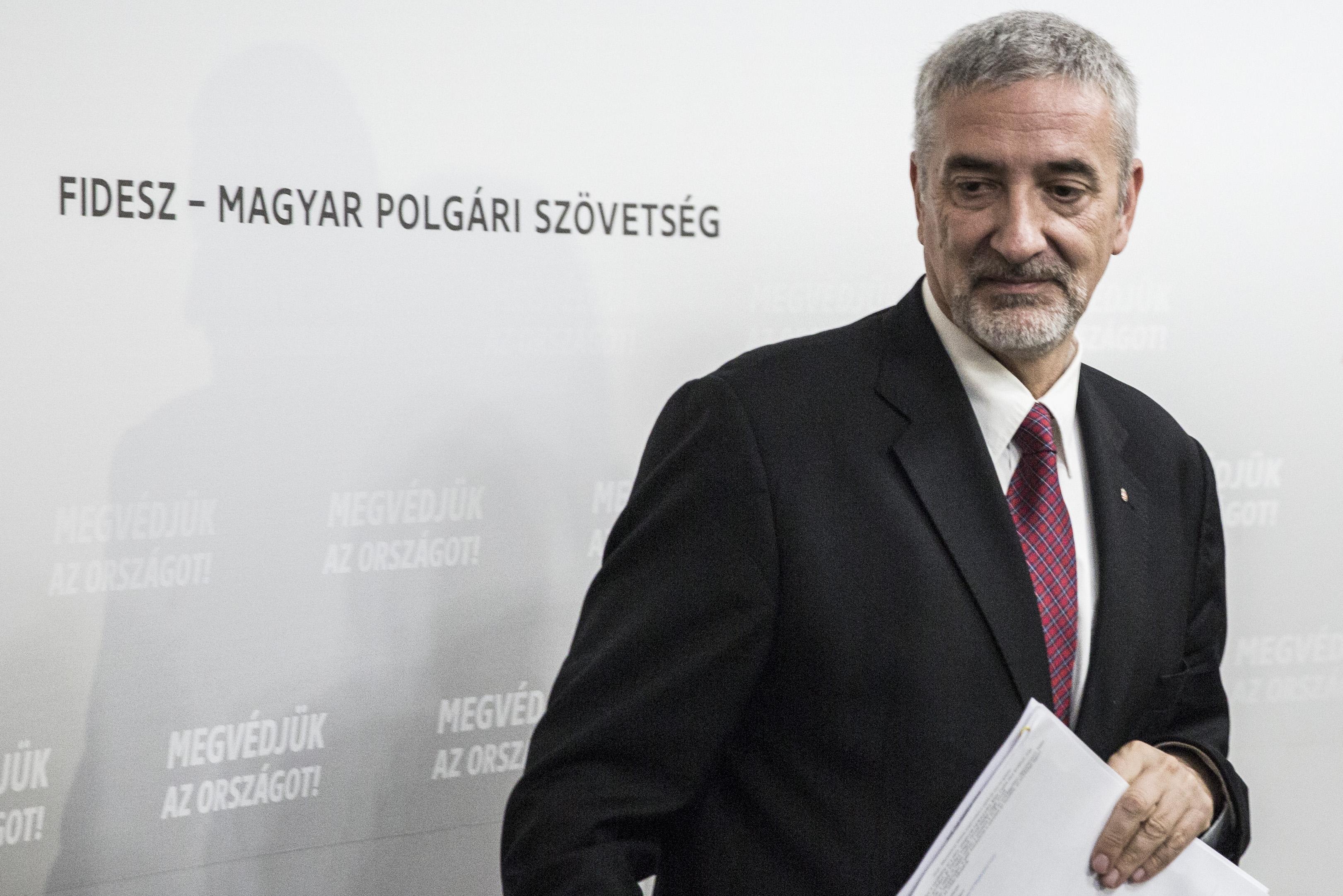 Elhatárolódott saját, hazugságon kapott szóvivőjétől a Fidesz