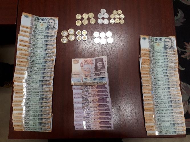 650 eki és 19 millió forint volt a drogdíler lakásán