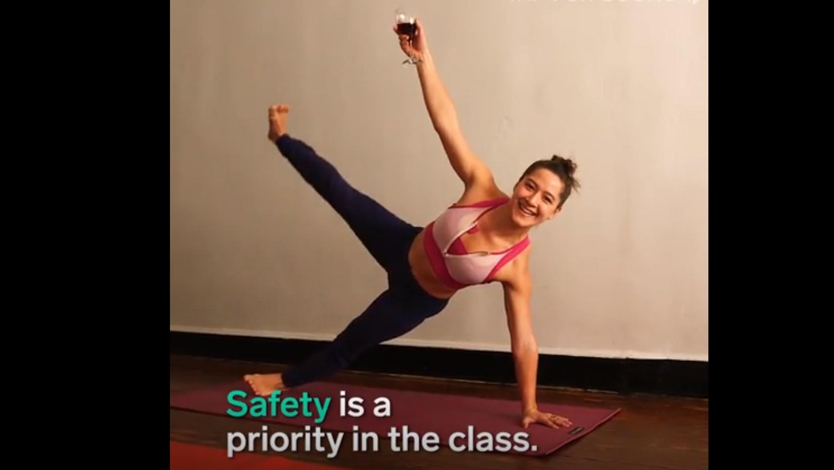 Részeg jóga: megvan az a sport, amit bátran bevállalhatsz újévi fogadalomnak