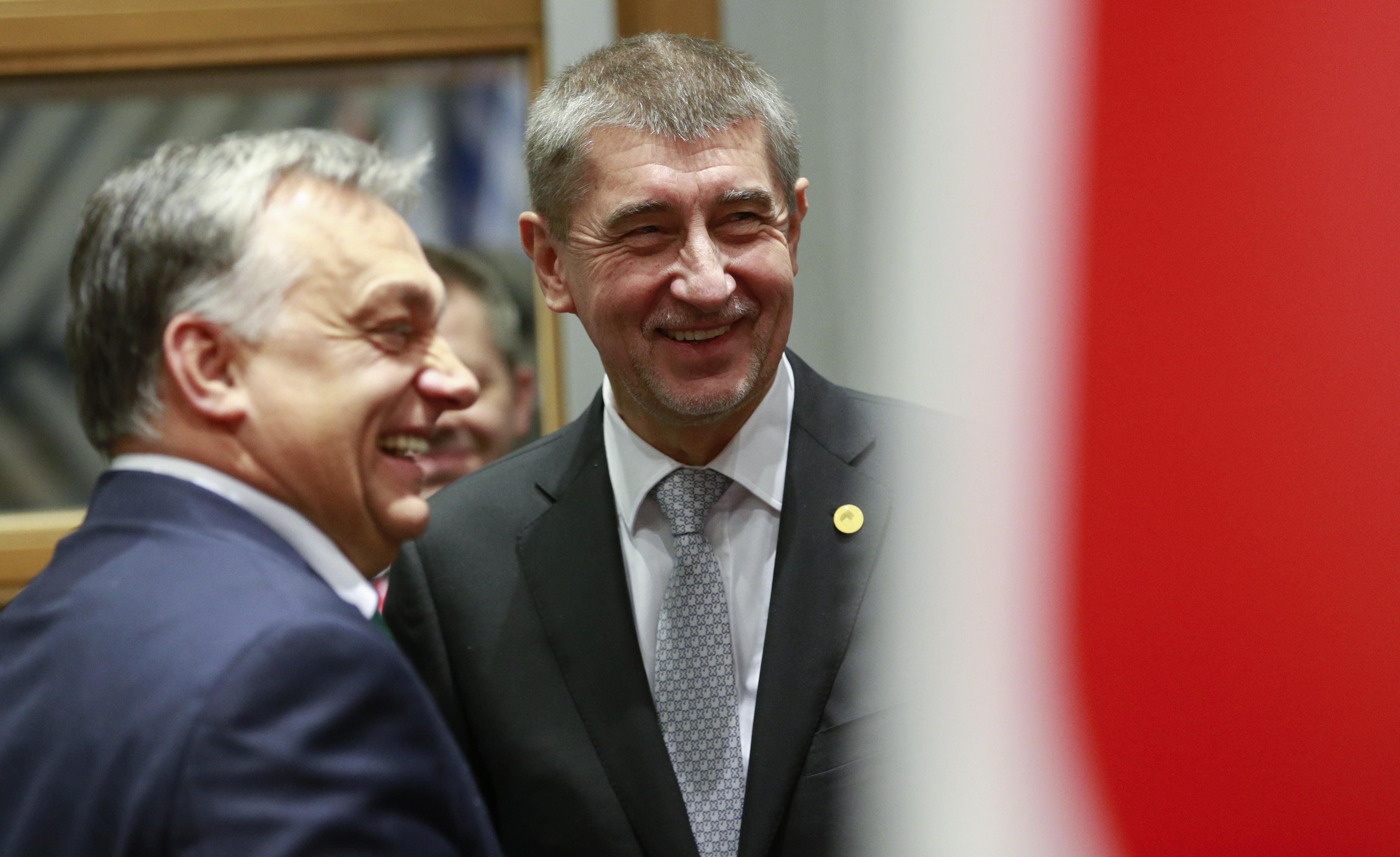 Vádemelést javasolt a rendőrség a cseh miniszterelnök ellen az uniós pénzek jogtalan felhasználása miatt