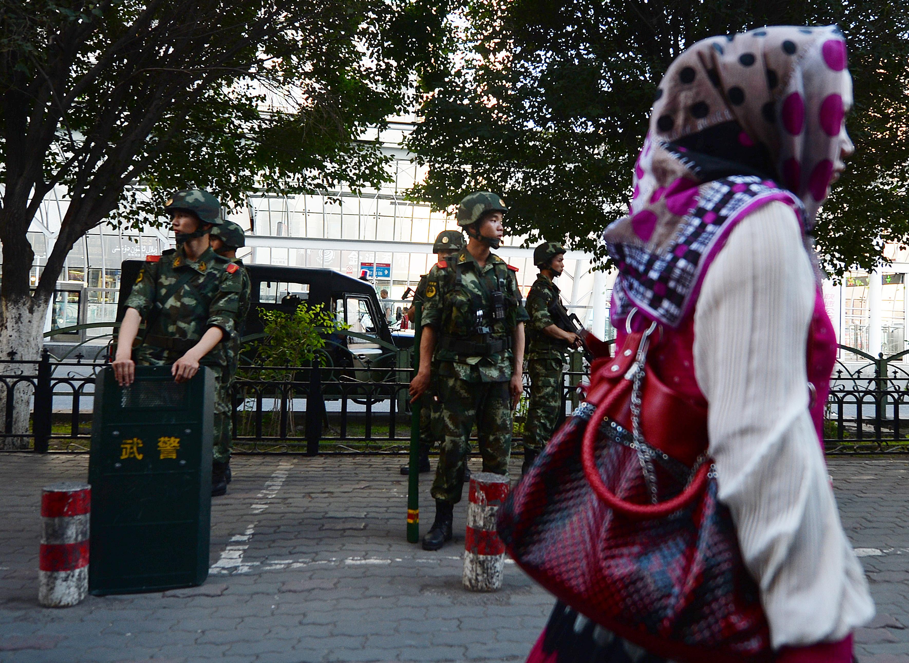 A Twitter befagyasztotta Kína amerikai nagykövetségének a fiókját egy ujgurokról szóló tweet miatt, Kína szerint a történetben ő az áldozat