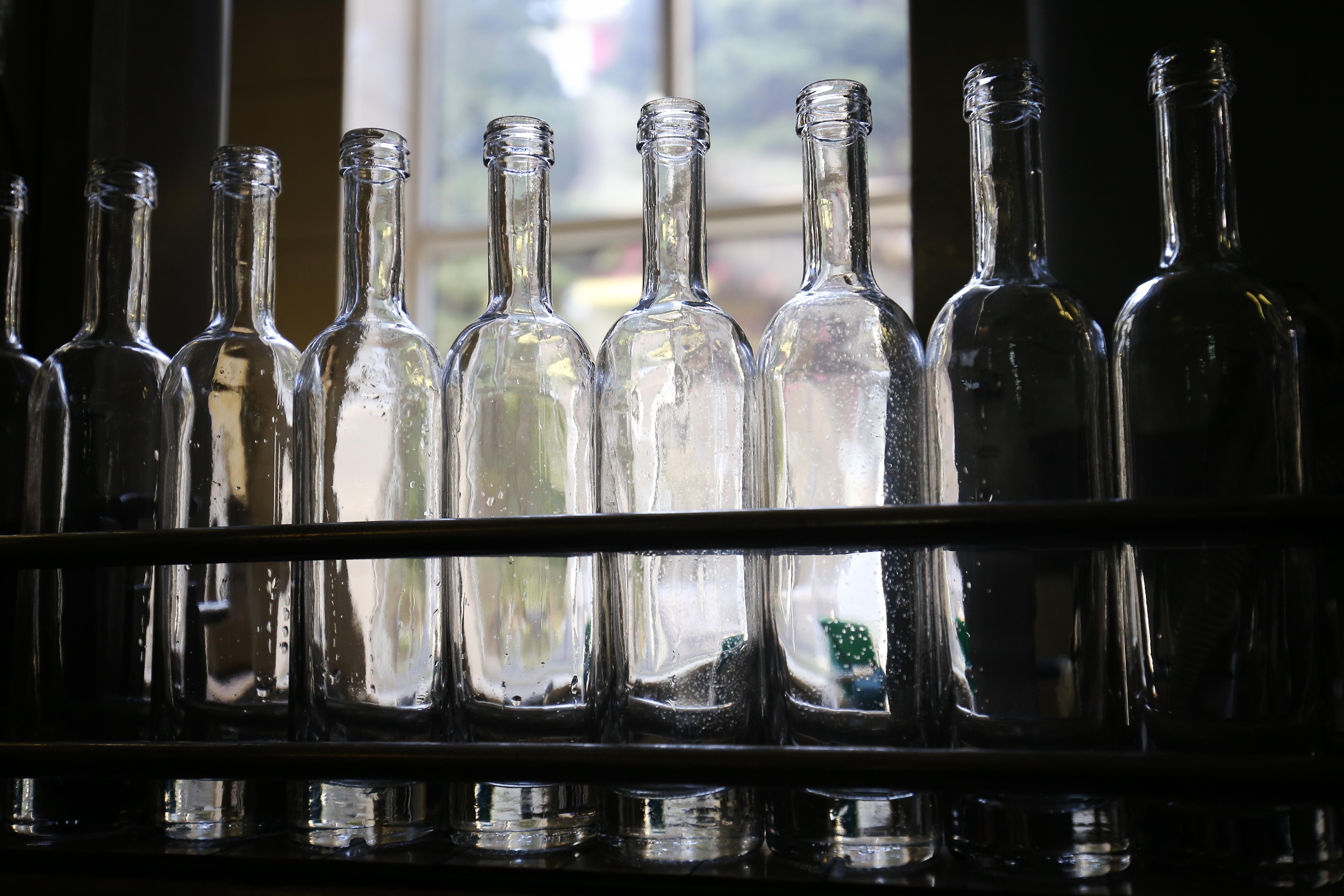 Metil-alkohol mérgezett meg 19 embert Szerepen