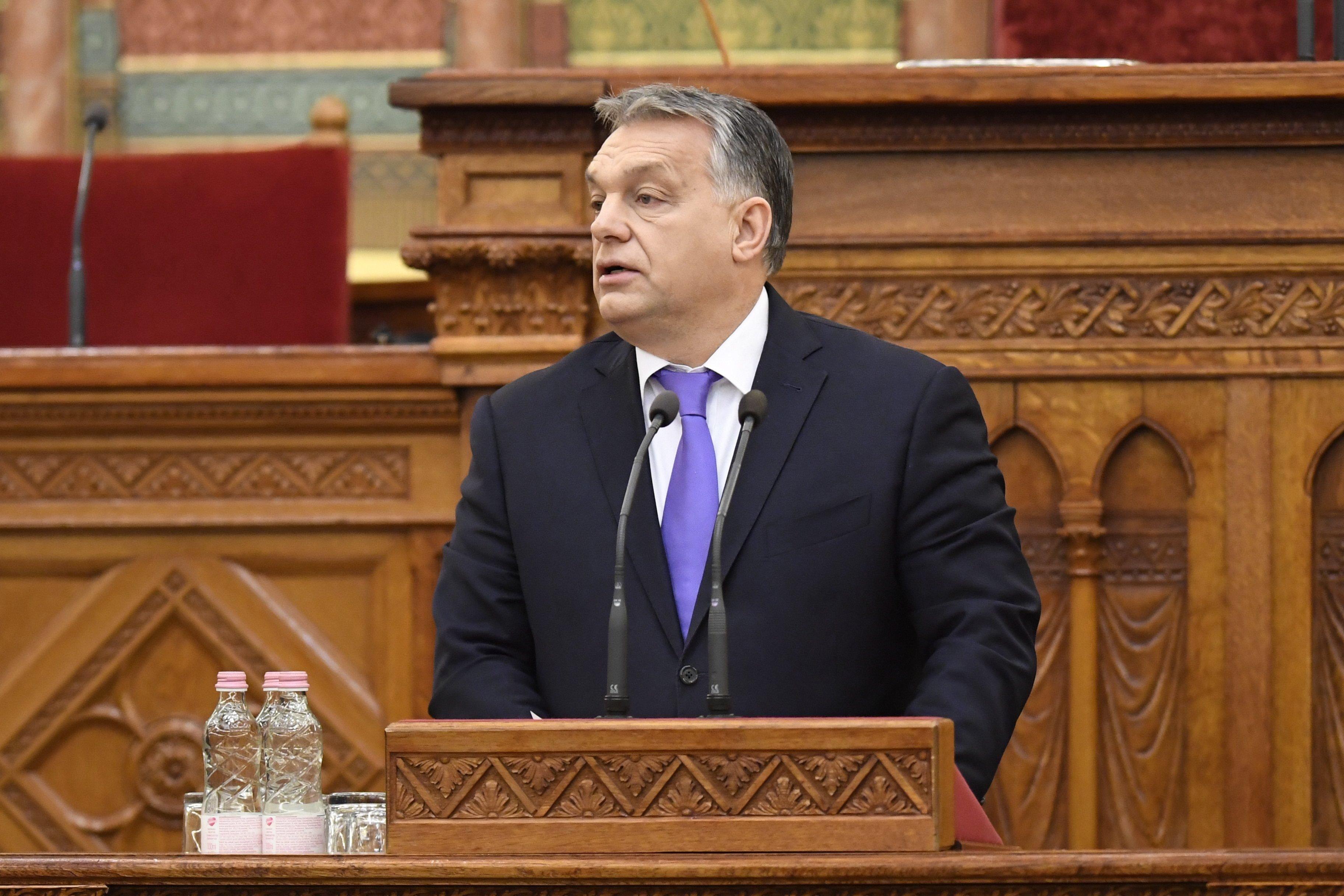 Orbán: Magyar föld, magyar emberek, magyar víz