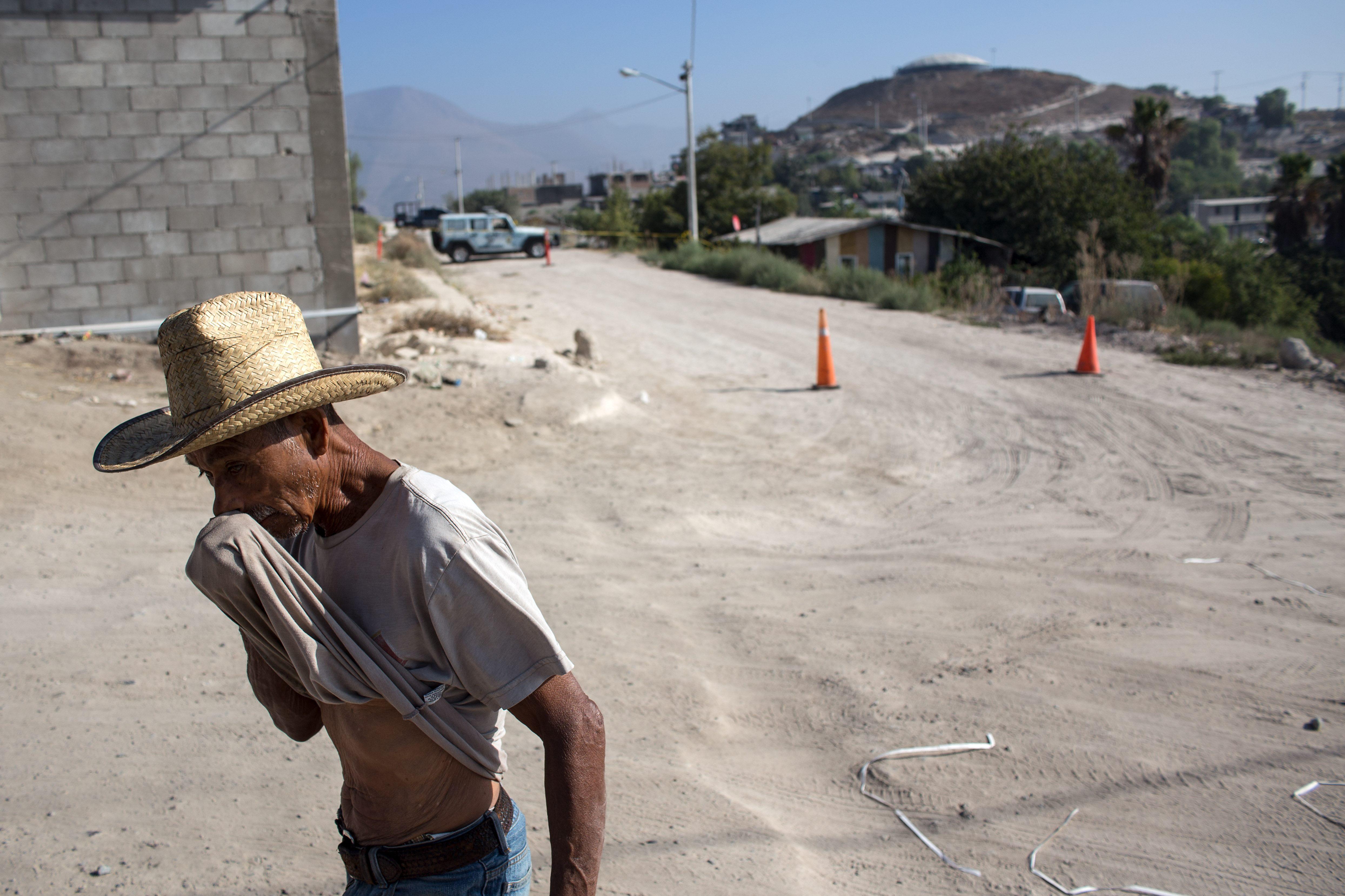 Autópályafelüljárókra akasztott emberek fogadták a turistákat Mexikó nyugati partvidékén
