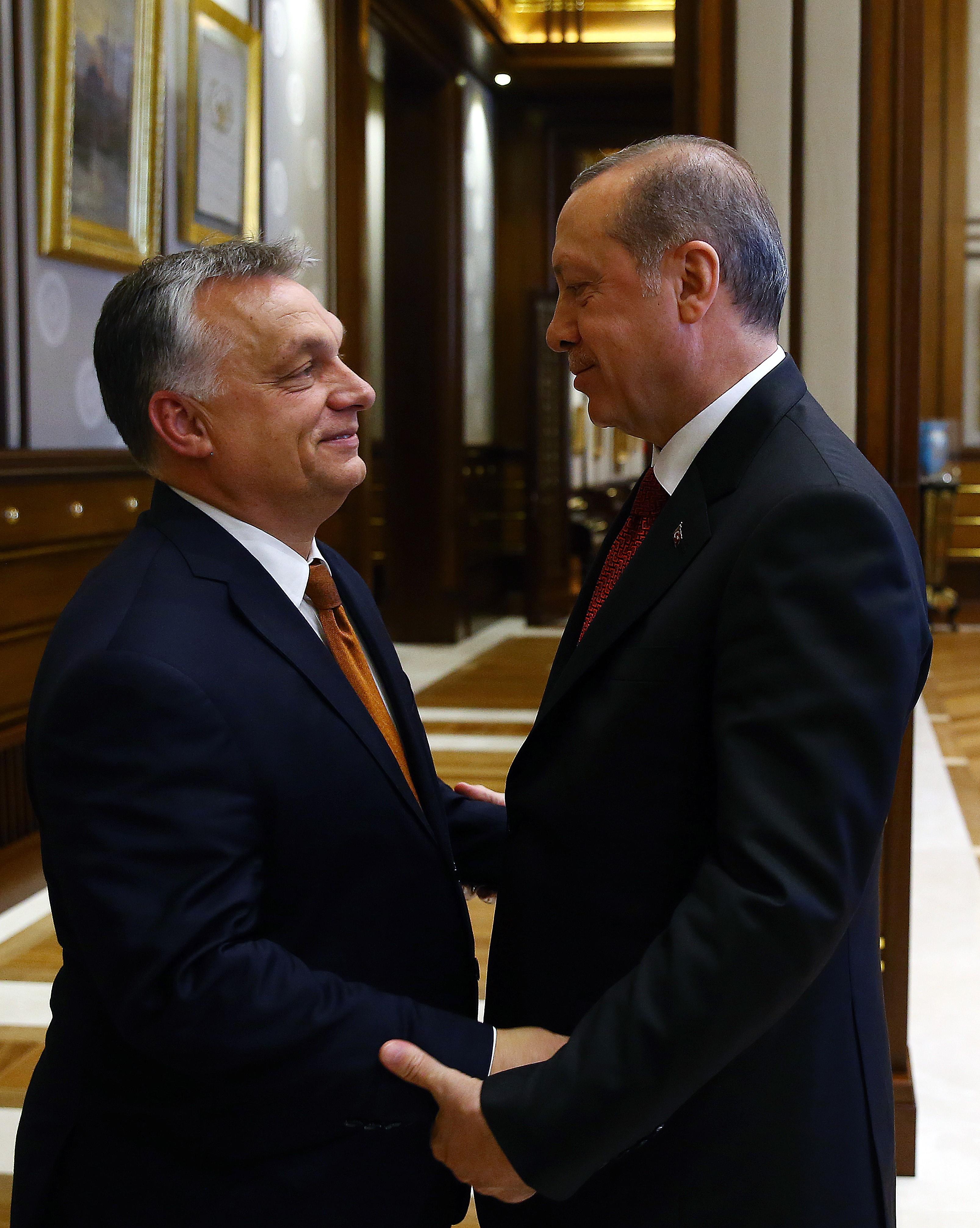 Orbán Viktor részt vesz Erdogan beiktatási ceremóniáján