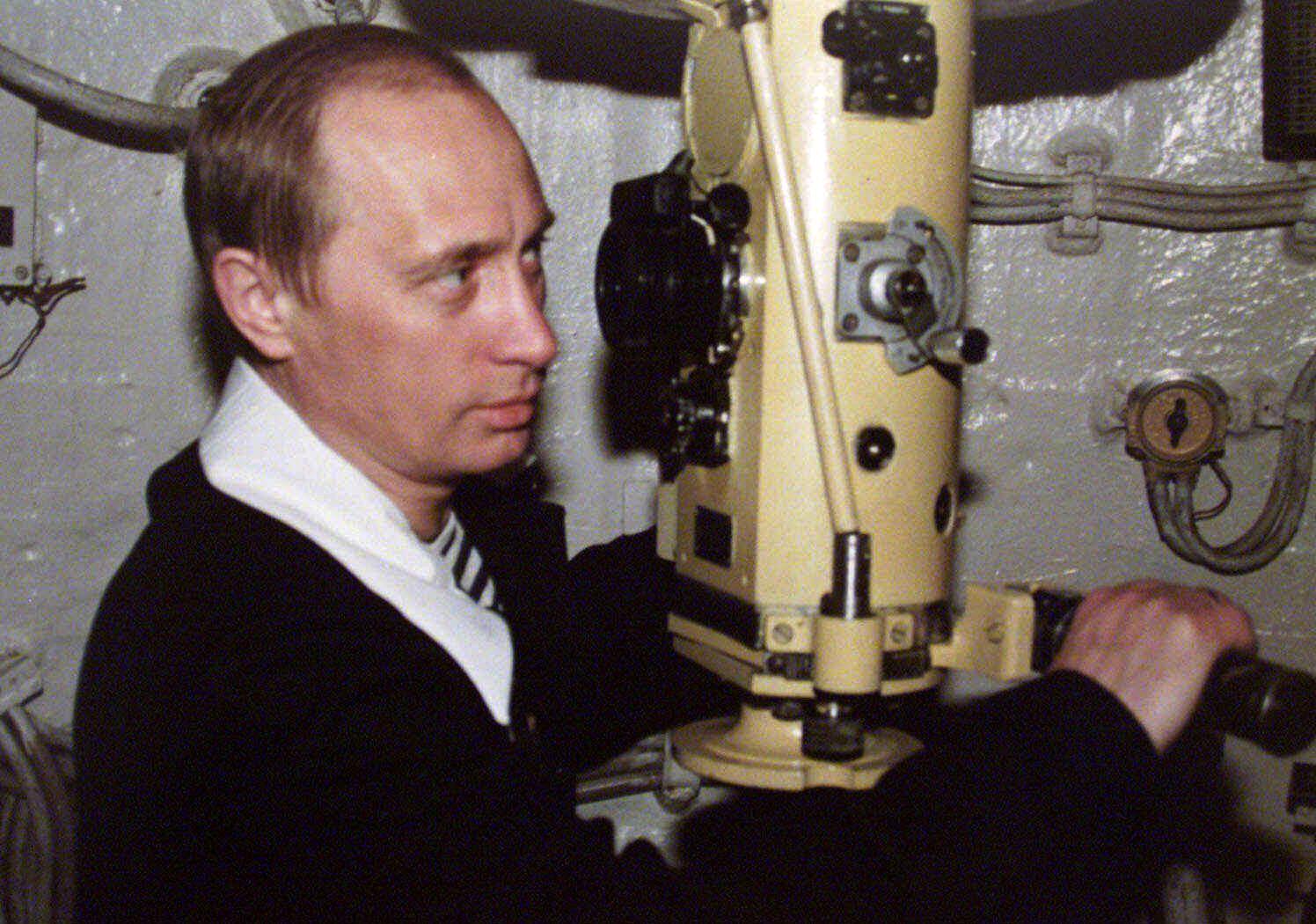 Távközlési kábeleknél matatnak az orosz tengeralattjárók