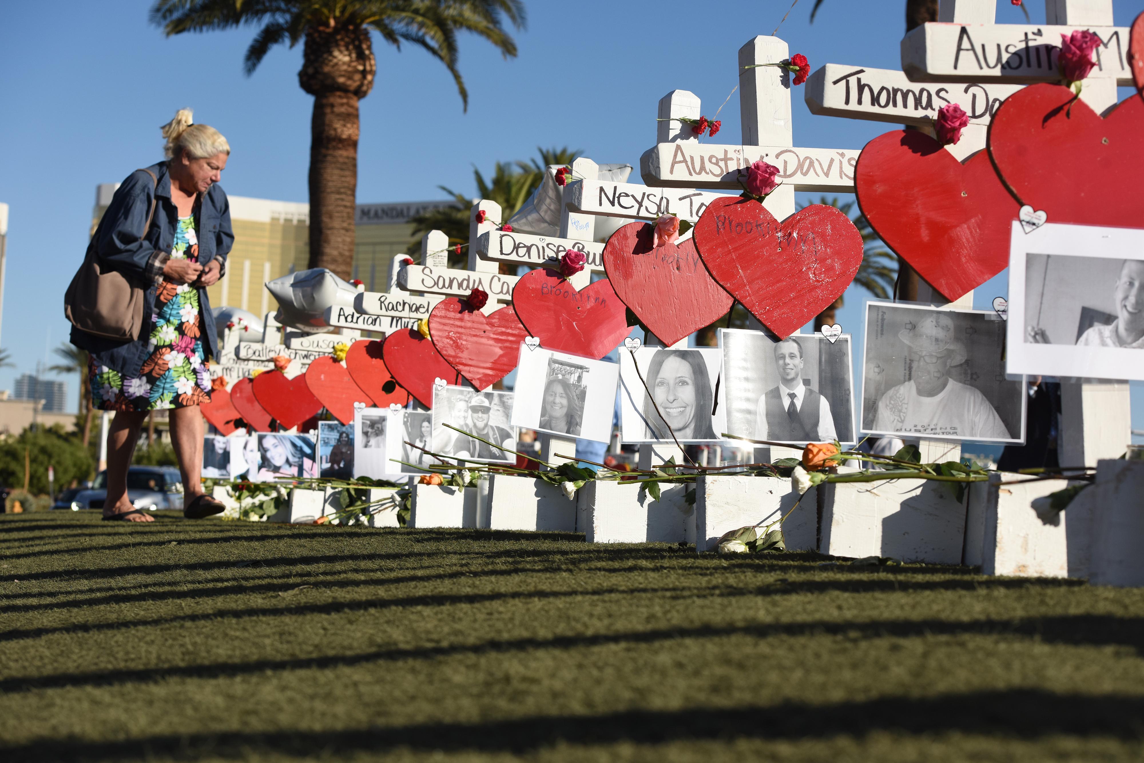 A Las Vegas-i tömeggyilkos milliomos volt, és most az áldozatok családjához kerülhet a pénze