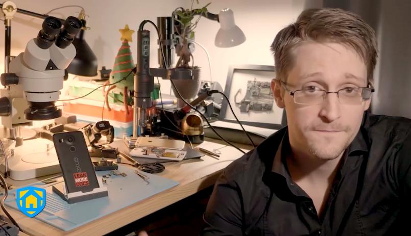 Edward Snowden orosz állampolgárságot kér