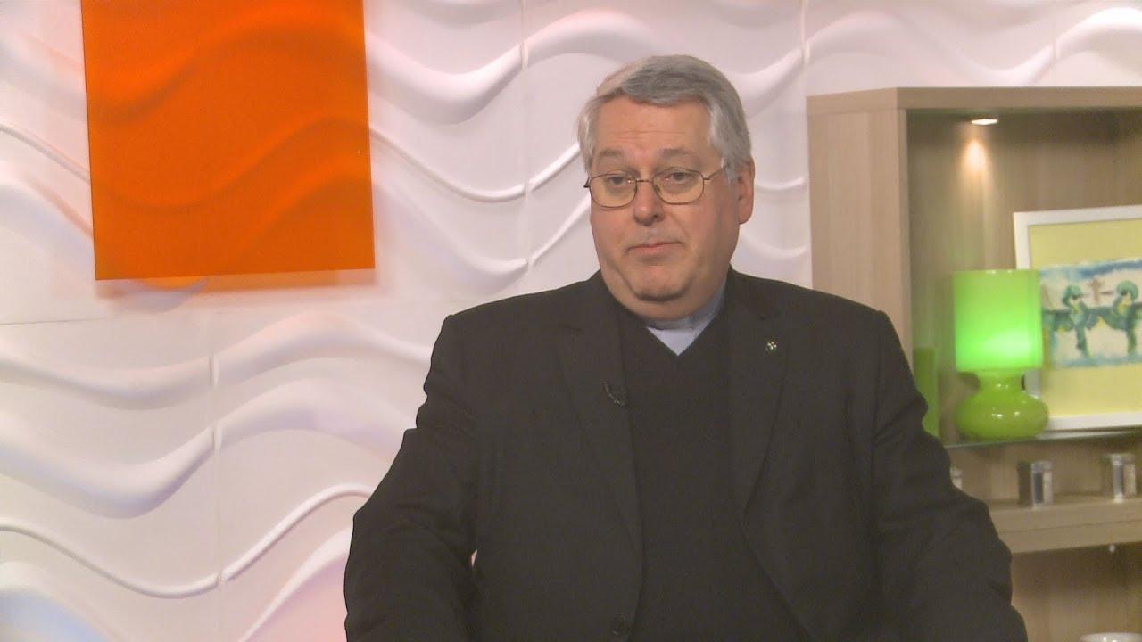 A kormány kedvenc plébánosa szerint a társadalmi kiengesztelődés a célja a Horthyért tartott misének