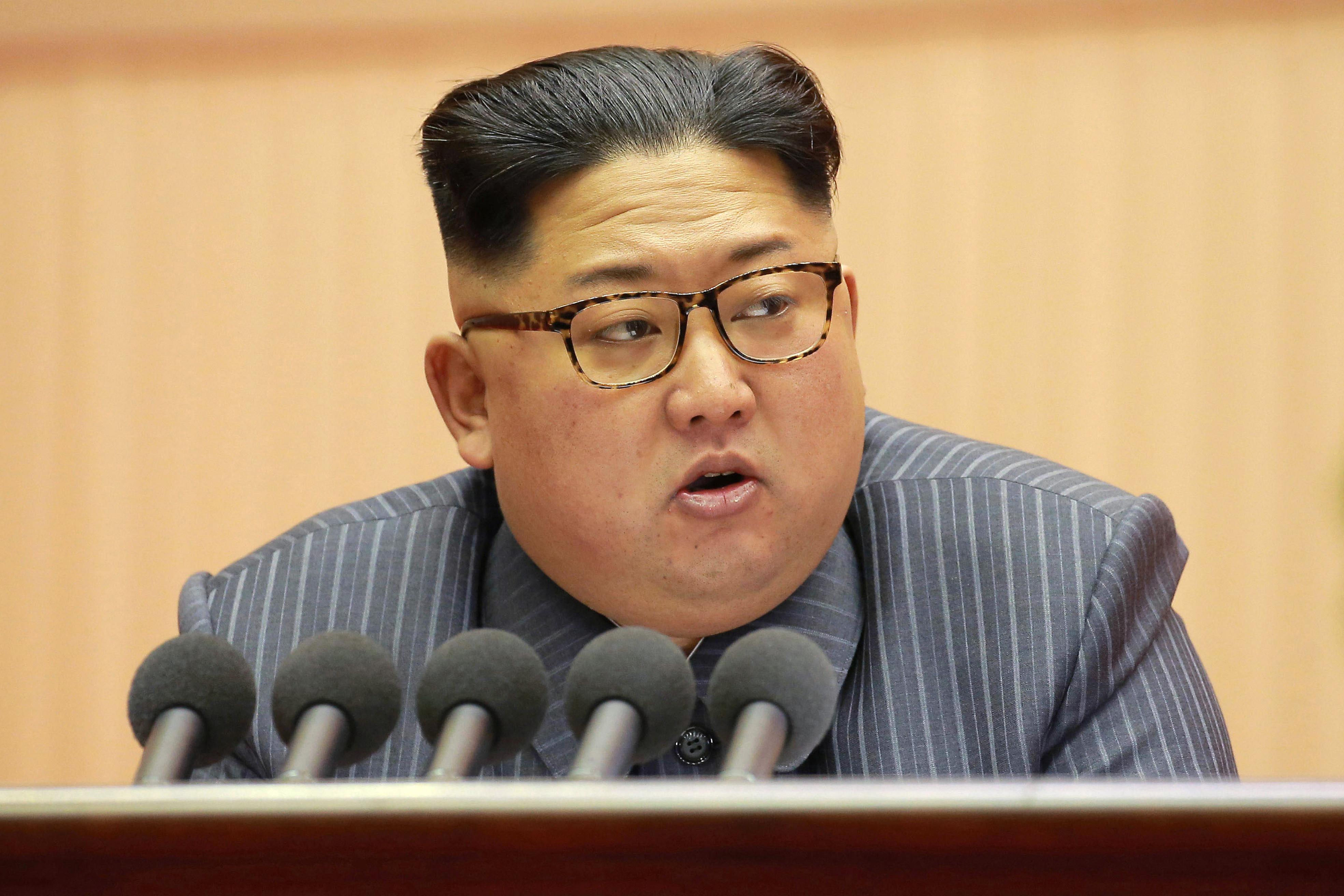 Papíron Oroszországnak hazudta magát Észak-Korea, hogy szénnel és fegyverekkel csencselhessen