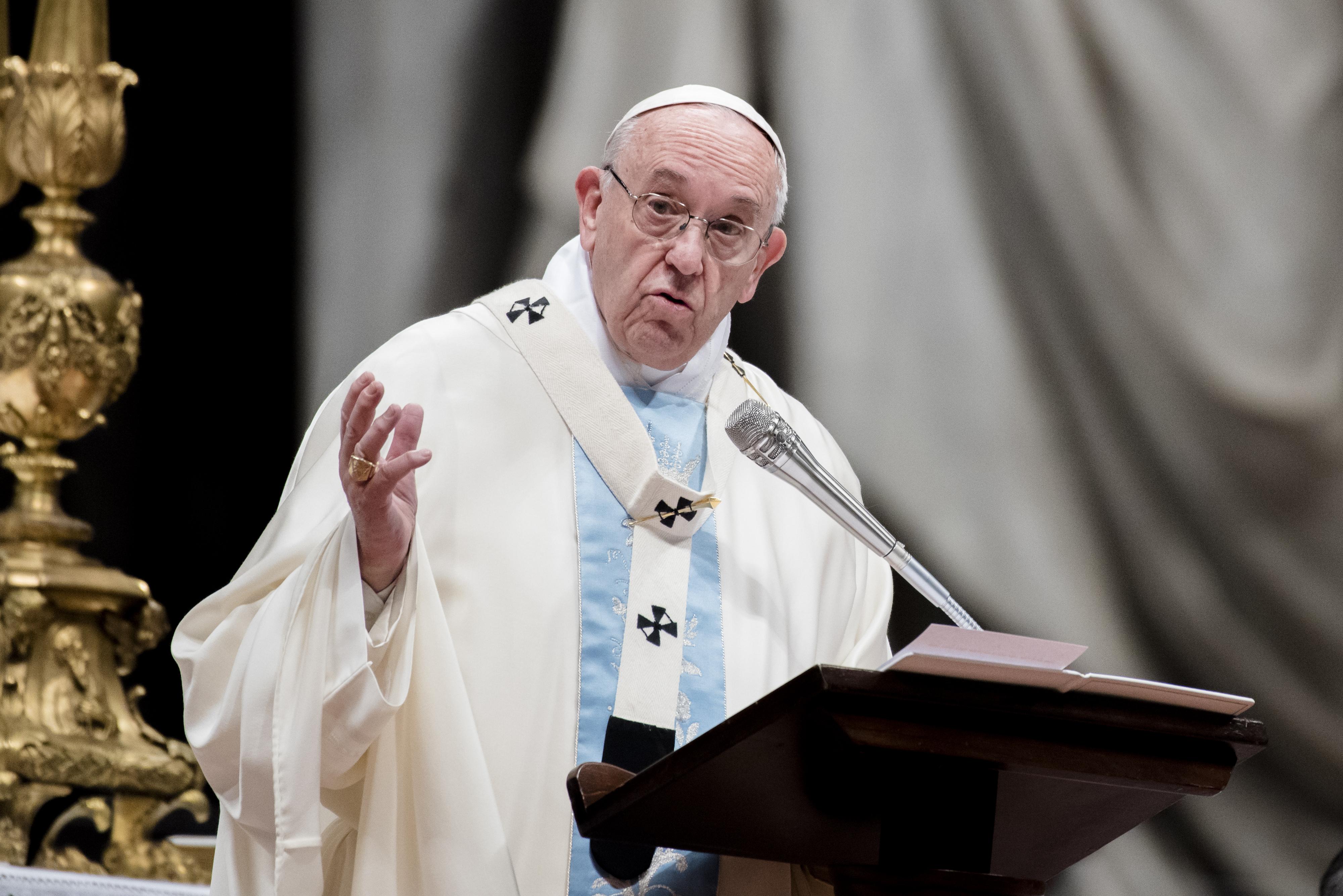 Ferenc pápa: Mindenki tartson mindennap 1 perc csendet