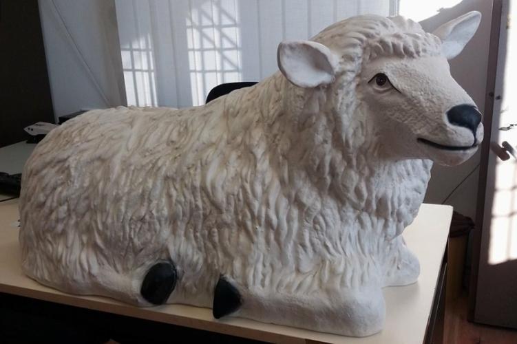 Tönkrement az ellopott kos, a bárányt is elvitte a betlehemi jászolból a kazincbarcikai Antikrisztus