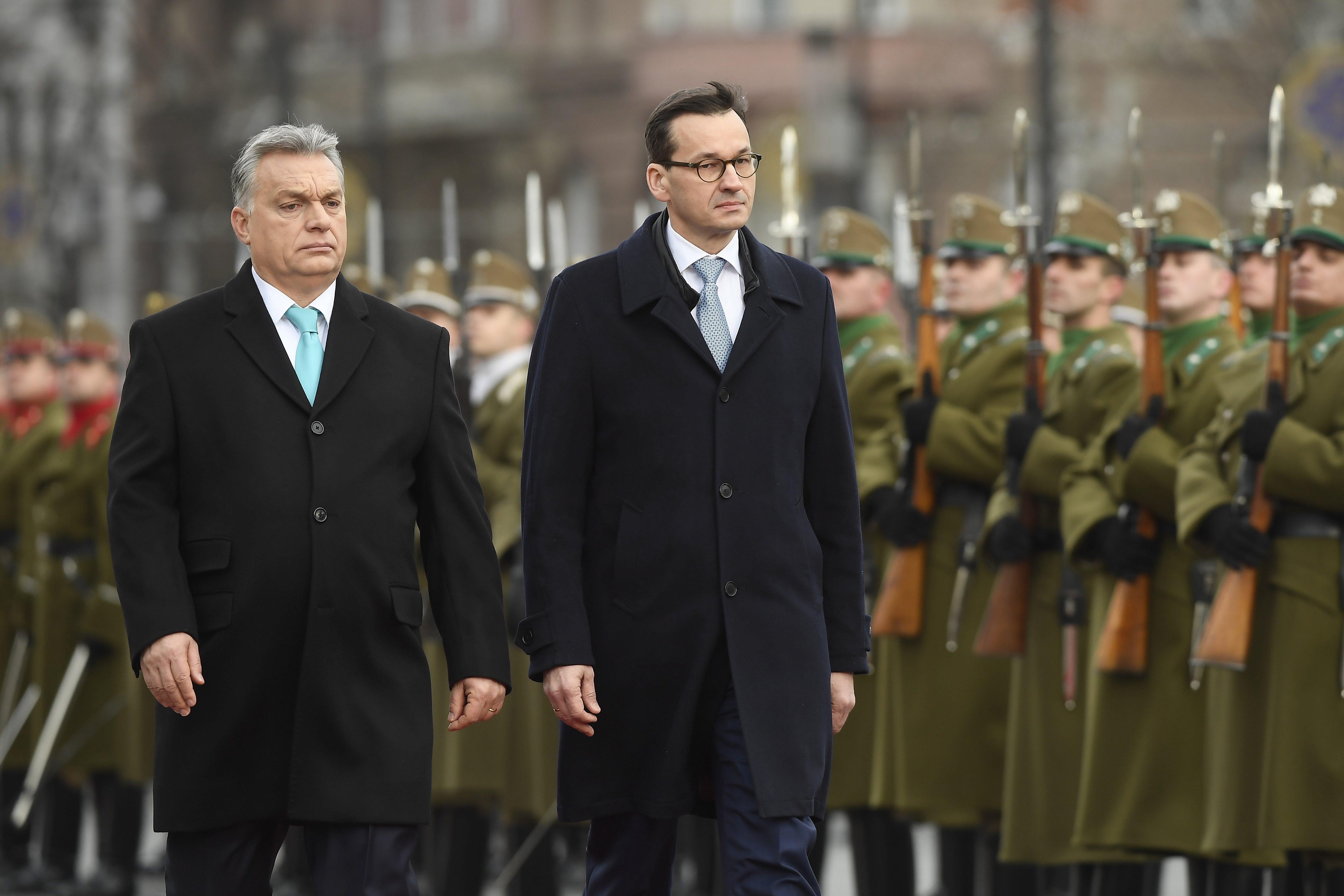 Orbán egy visegrádi fejlesztési bank létrehozásáról tárgyalt a lengyel miniszterelnökkel