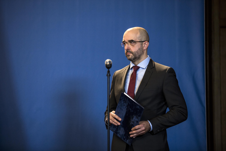 A kormány nem támogatja Weber jelöltségét, mert szerintük az EPP csúcsjelöltje többször megsértette a magyarokat