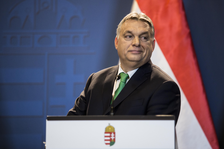 Véletlenül pont Orbán bécsi útjának idejére hívta össze Kövér a parlament rendkívüli ülését