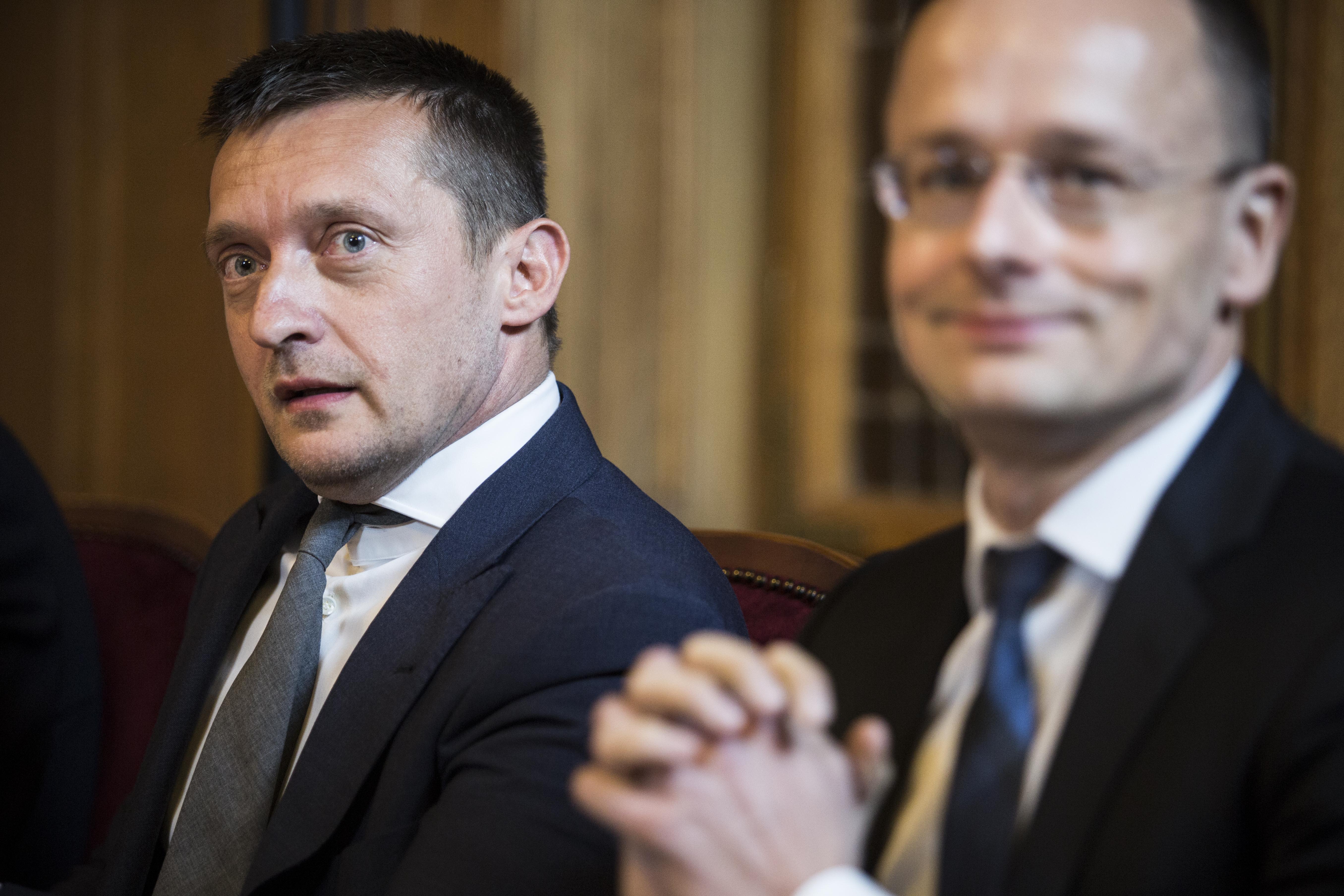 Rogán Antalra bízta a kormány az állami koncessziók kiosztását