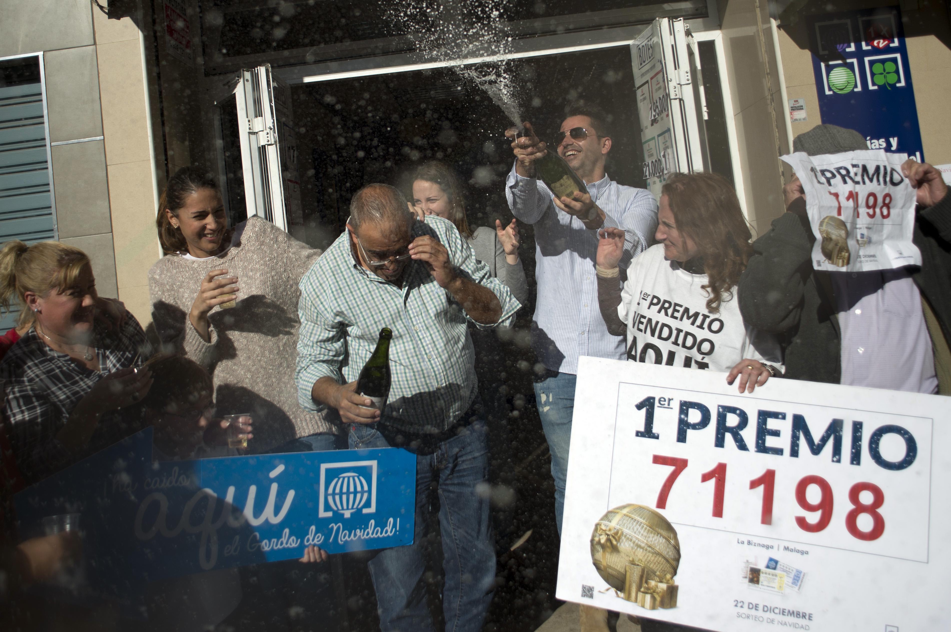 100 millió eurót nyertek a lottón a bilbaói munkások
