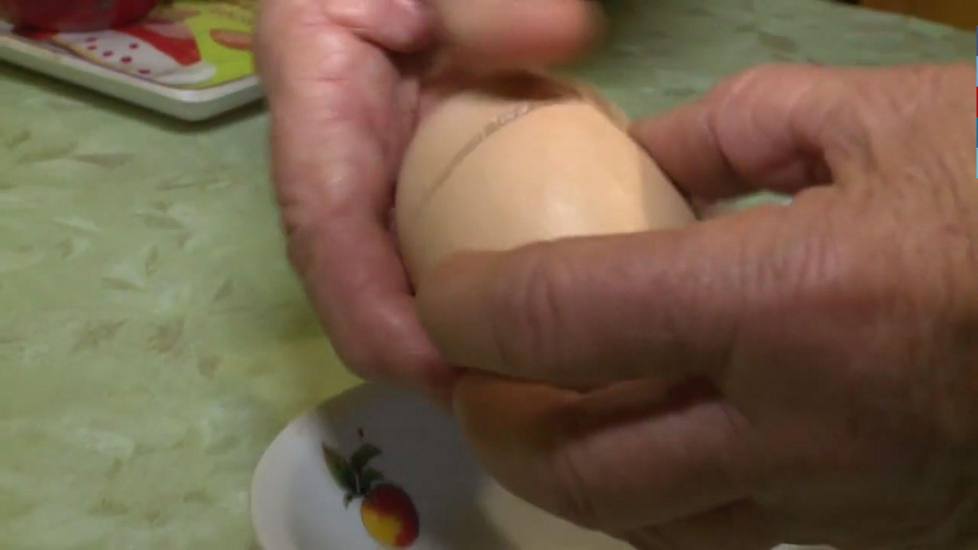 Egy taszári tyúk olyan tojásokat tojik, amikben van még egy tojás