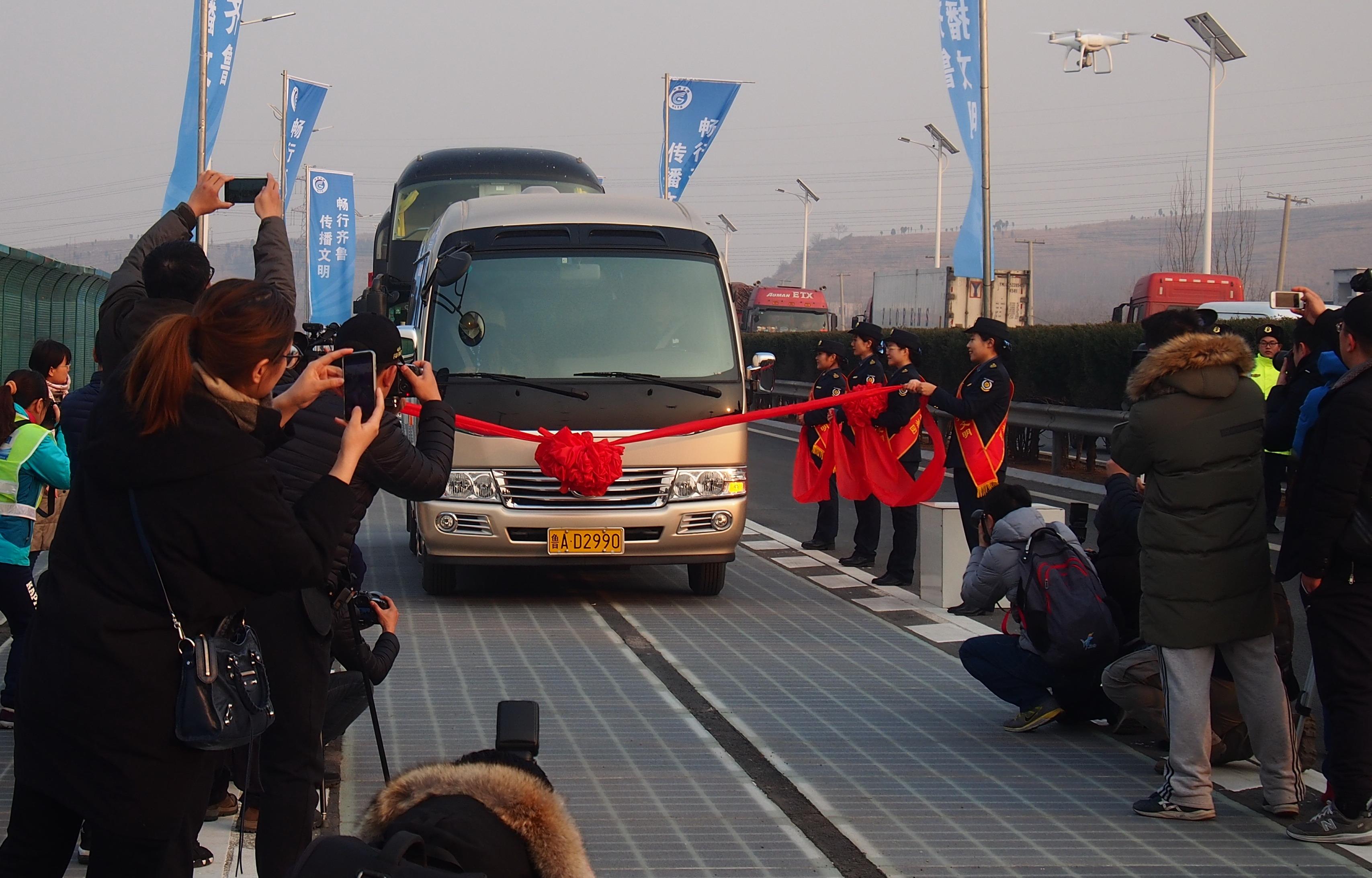 Öt nap alatt kilopták a napelemeket a kínai csodaútból
