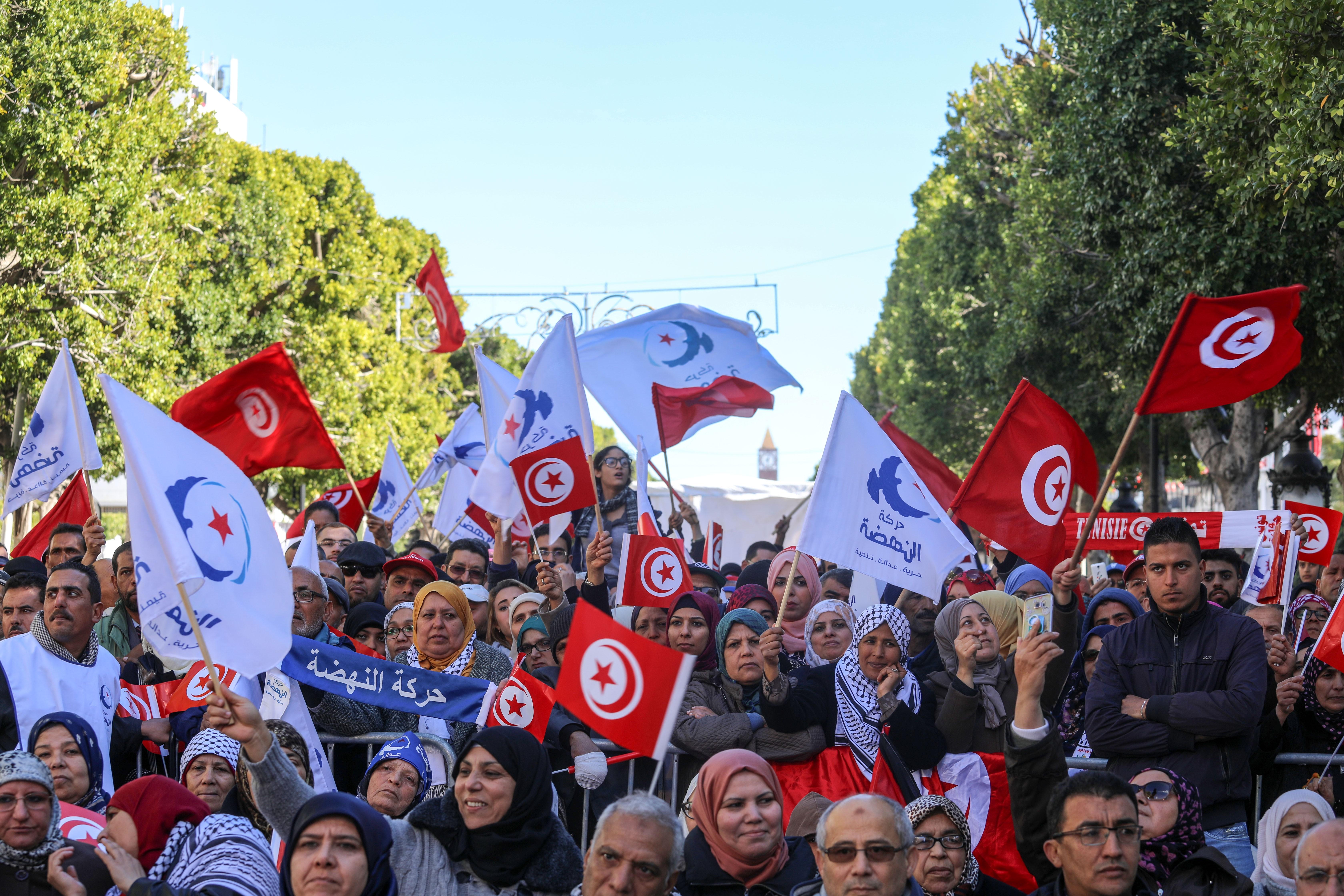 Extra segélyekkel csitítanák a tüntető szegényeket Tunéziában