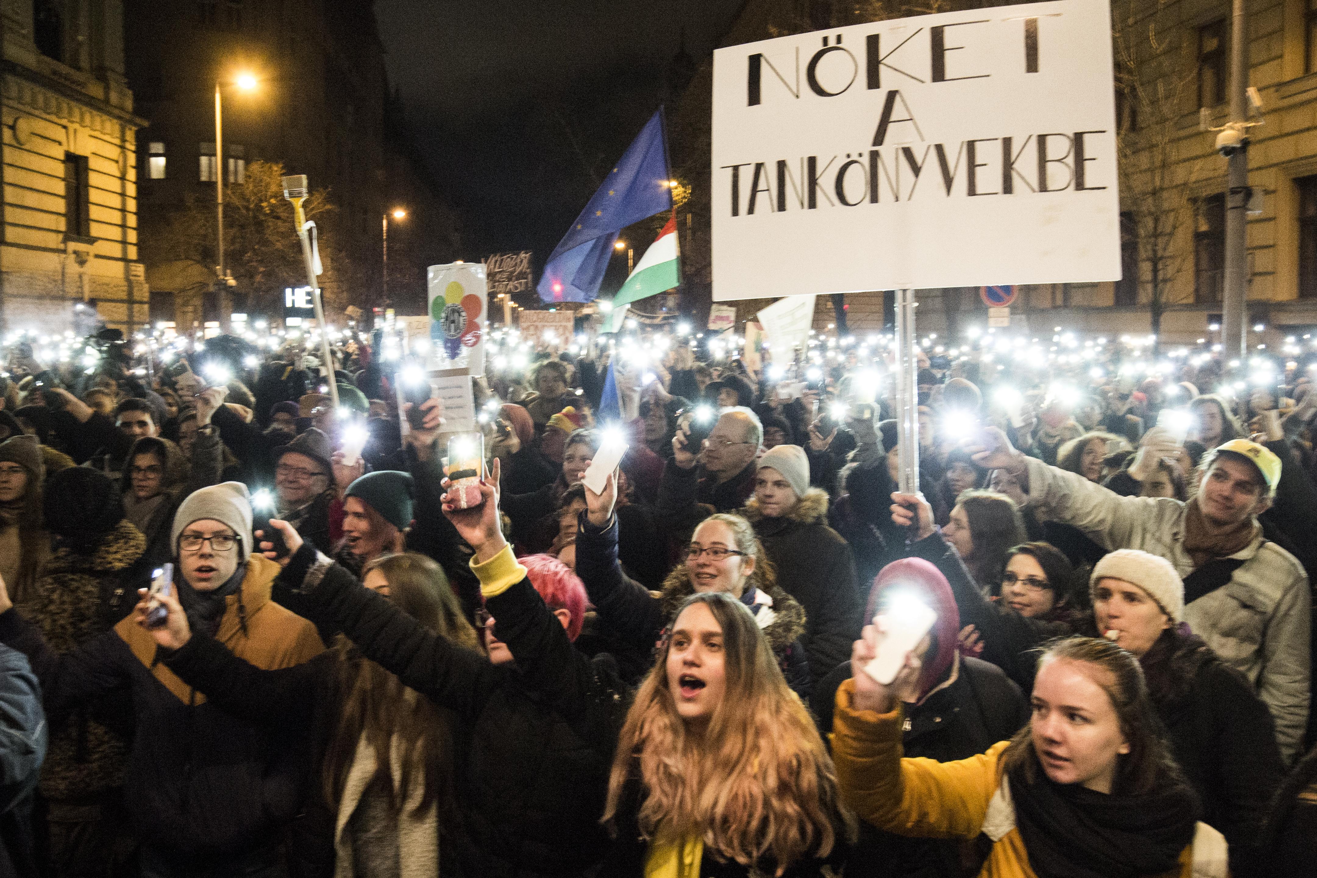 Diáktüntetők: Reméljük, hogy Orbán Viktor visszaemlékszik fiatalkori önmagára