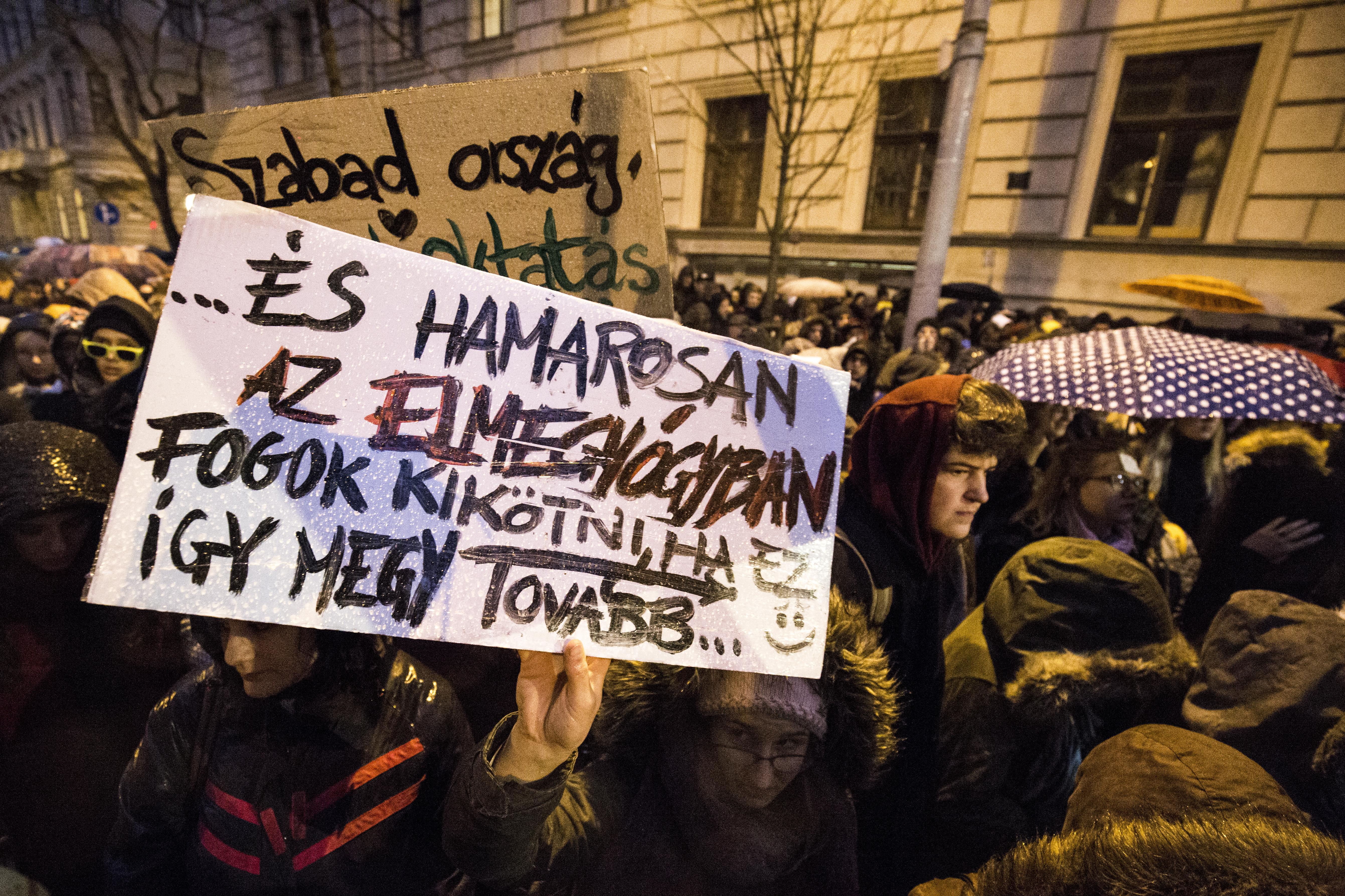 Már 17 ezren jelezték, hogy ott lesznek a hétvégi tüntetésen