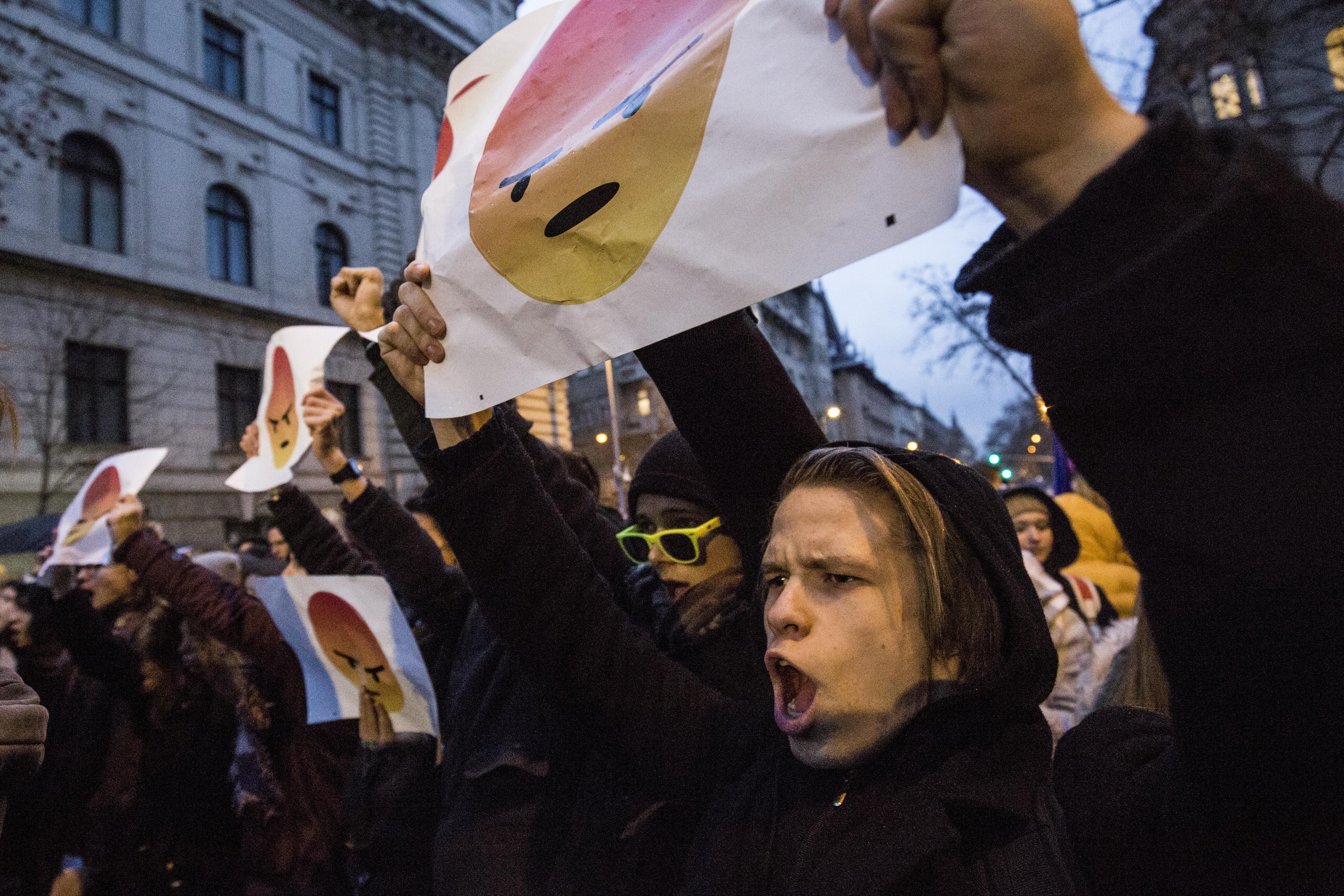 Több problémás magyar ügyet is bírált az EP kulturális és oktatásügyi bizottsága