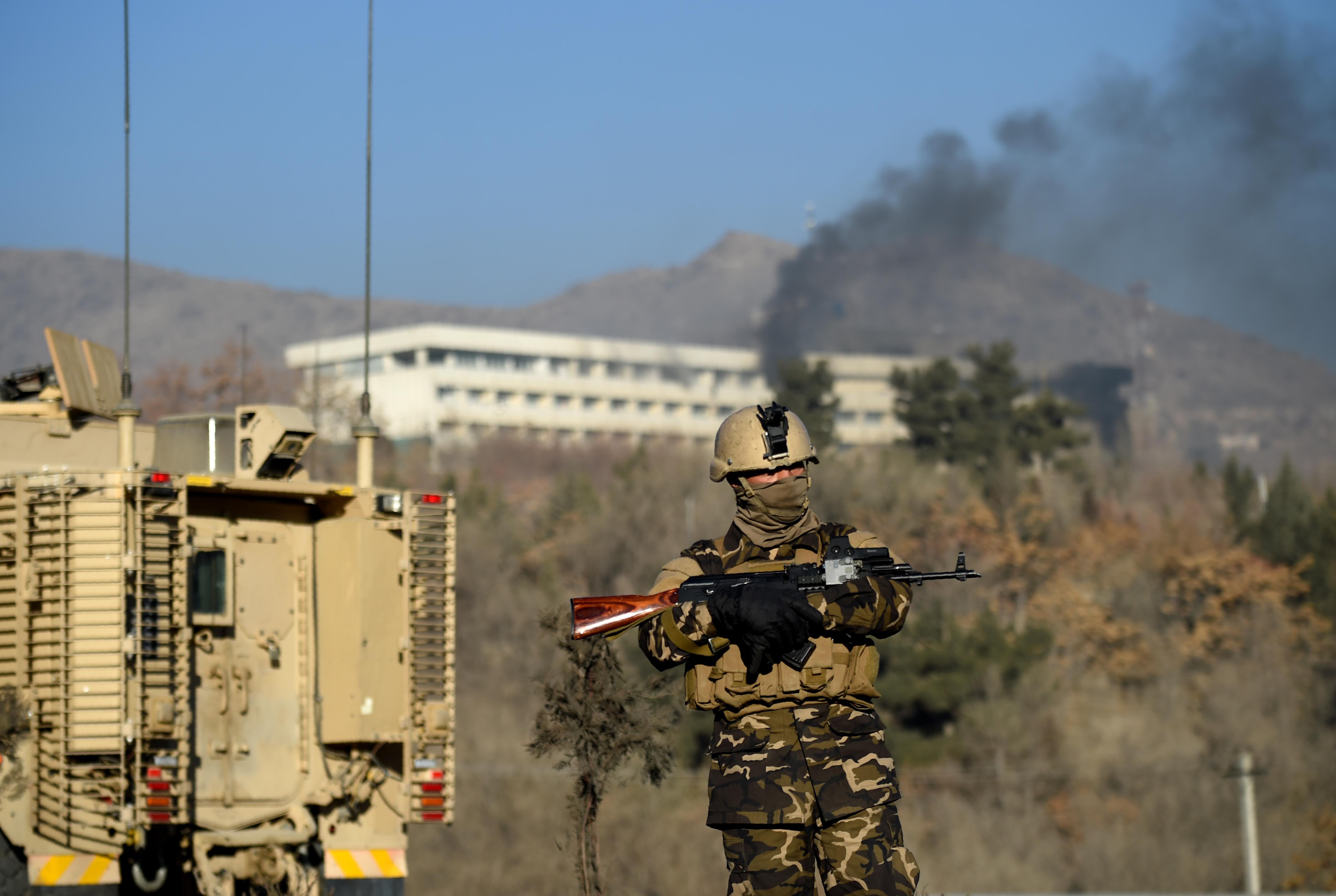 Az összes fegyveressel végeztek, véget ért a kabuli Intercontinental szálloda elleni támadás