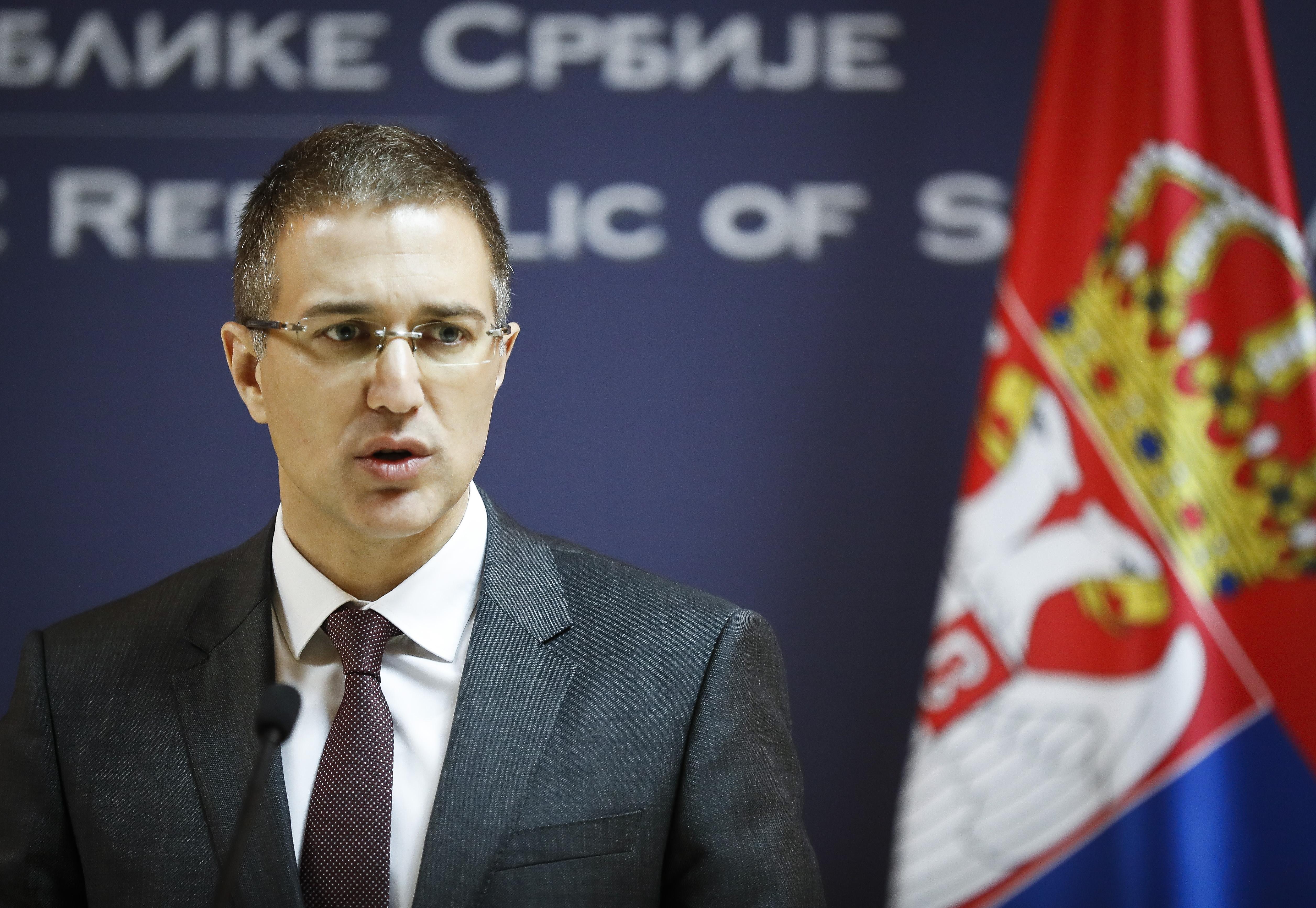 A szerb kormány jelezte, befogadnak annyi menekültet, amennyit az EU kvótái előírnak