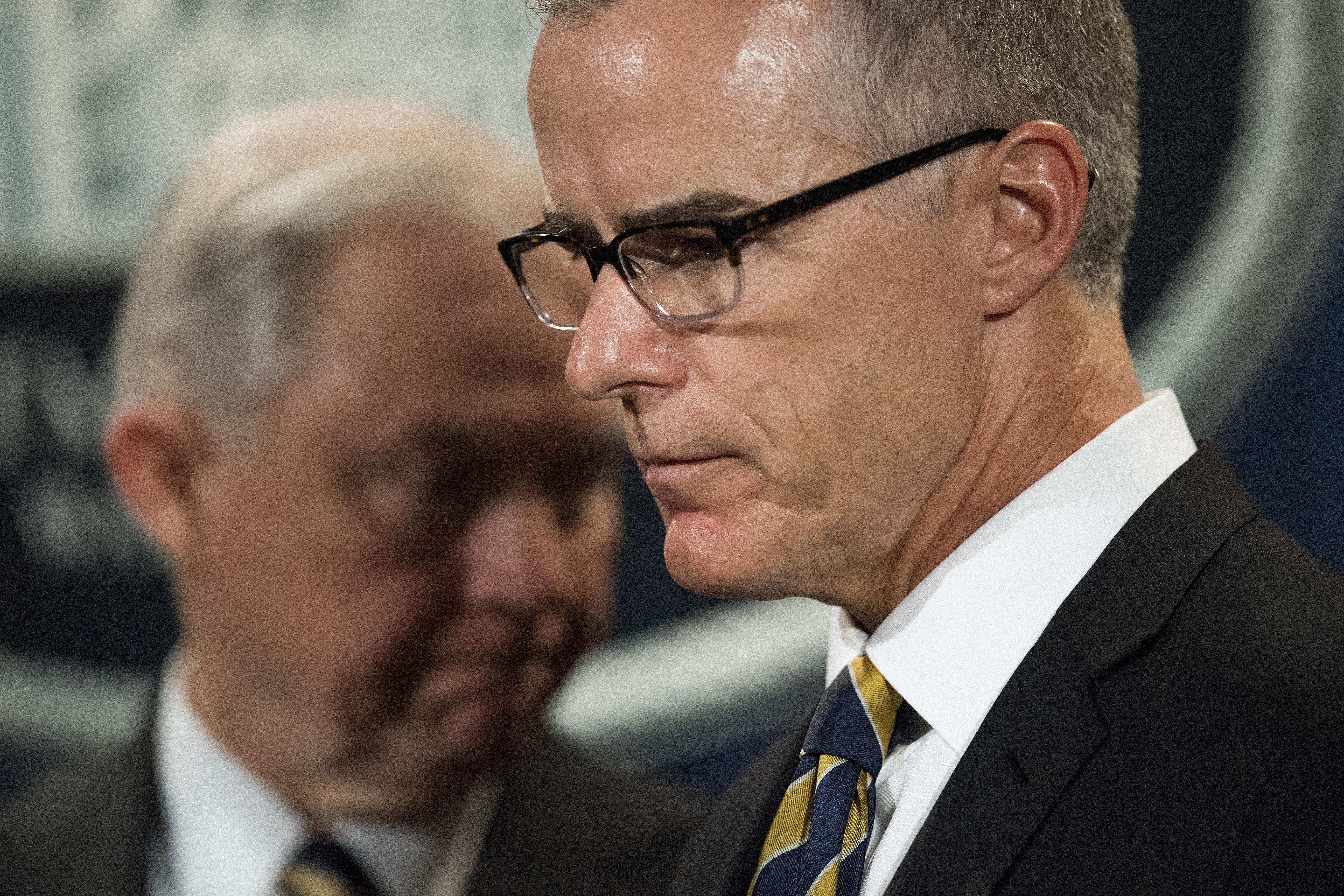 A Fehér Ház újabb magasrangú FBI-vezetőt szeretett volna félreállítani