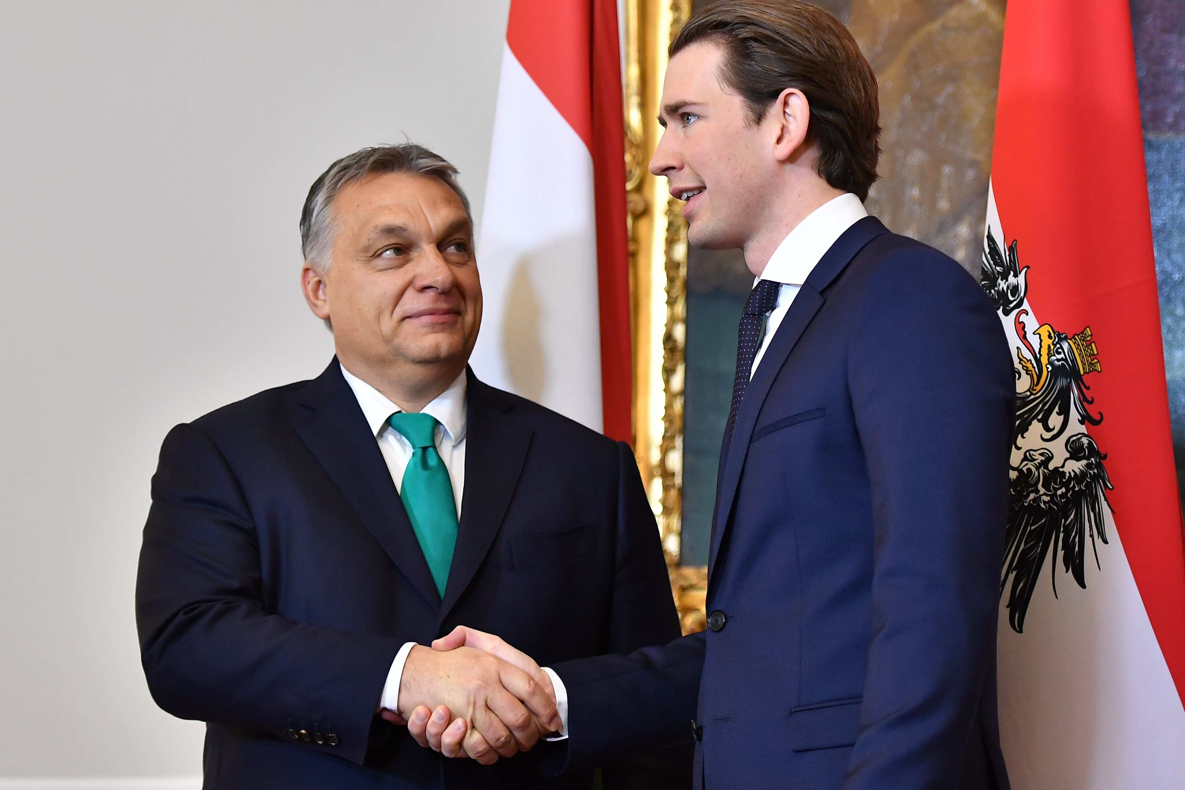 Európai Bizottság: nem vehetik el a magyarok pótlékát
