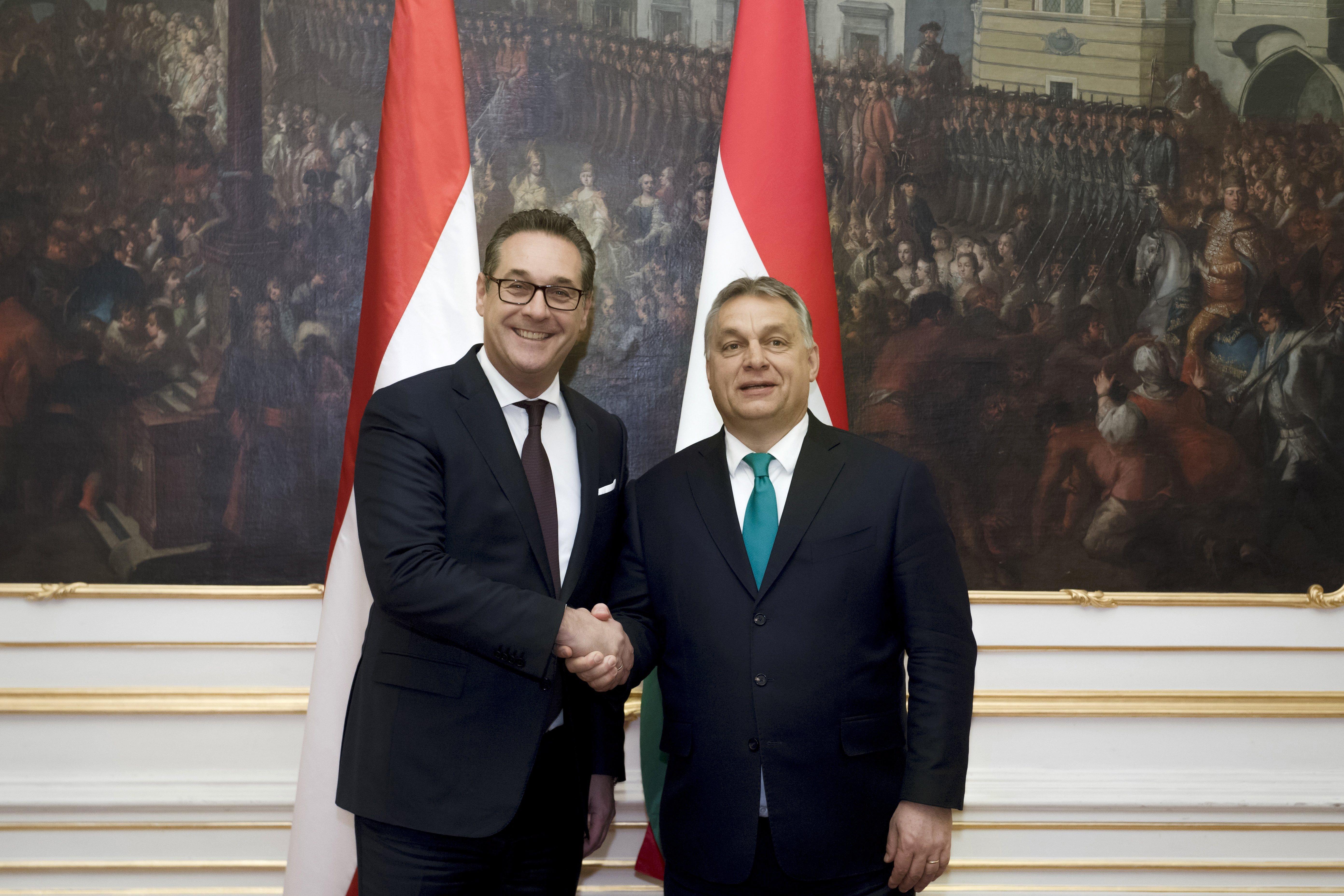 Korábban nem engedték neki, de most végre találkozott az osztrák szélsőjobb vezérével Orbán Viktor