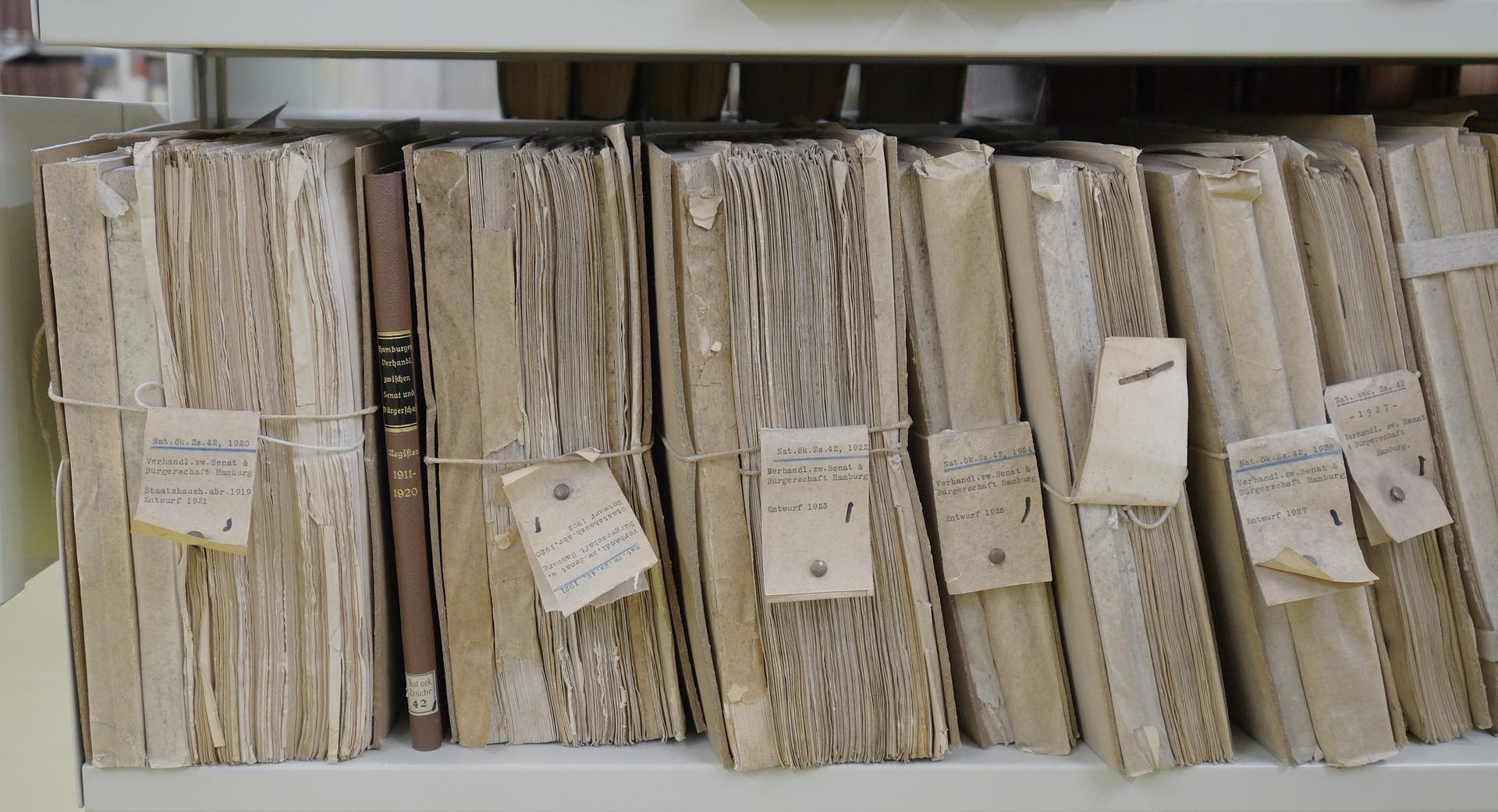 Az ausztrál kormány leselejtezett két iratszekrényt, de elfelejtették, hogy azok tele vannak államtitkokkal