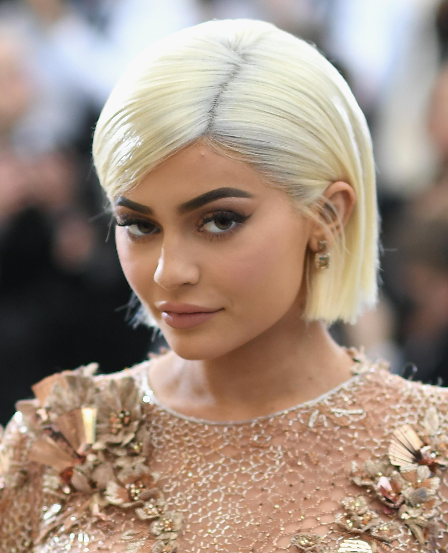 Minden idők leglájkoltabb posztja lett az Instagramon a kép, amit Kylie Jenner tett ki a babájáról