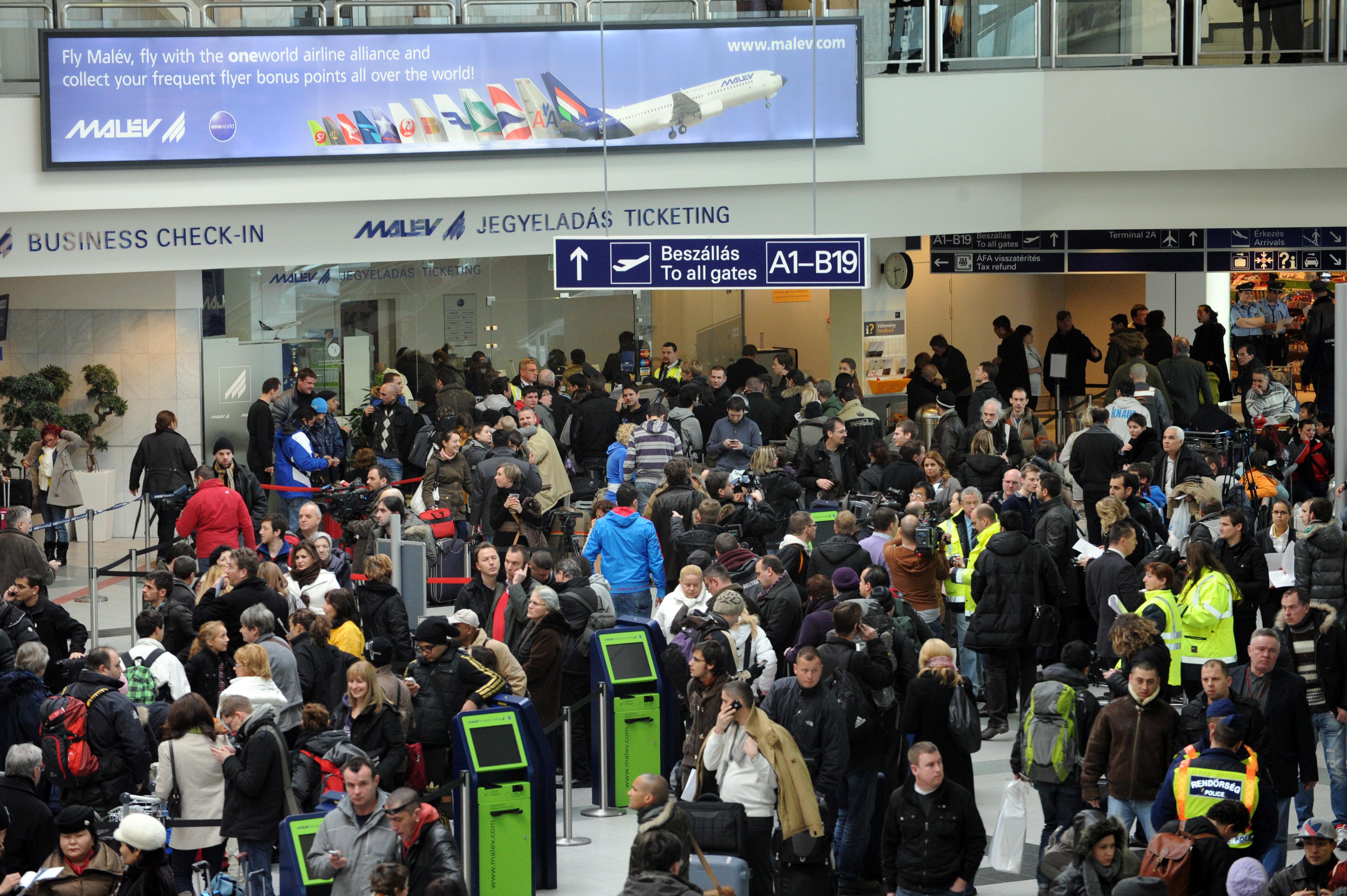 EU Bírósága: A repülésről döntő légitársaságtól lehet kártérítést kérni jelentős késésnél, ha a gépet és a személyzetet másik légitársaságtól bérelték
