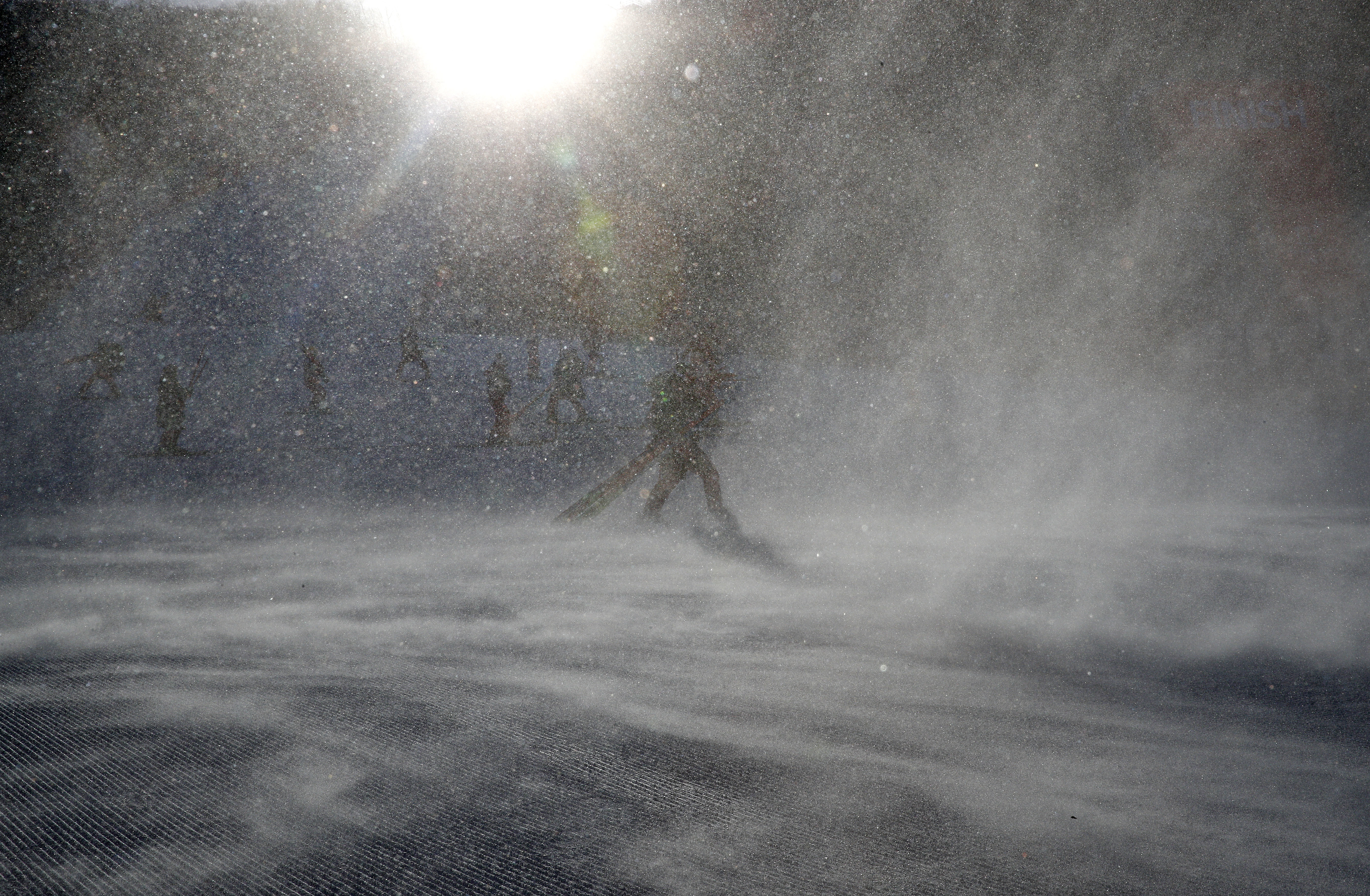 Folyamatosan halasztják el a síversenyeket a phjongcshangi időjárás miatt