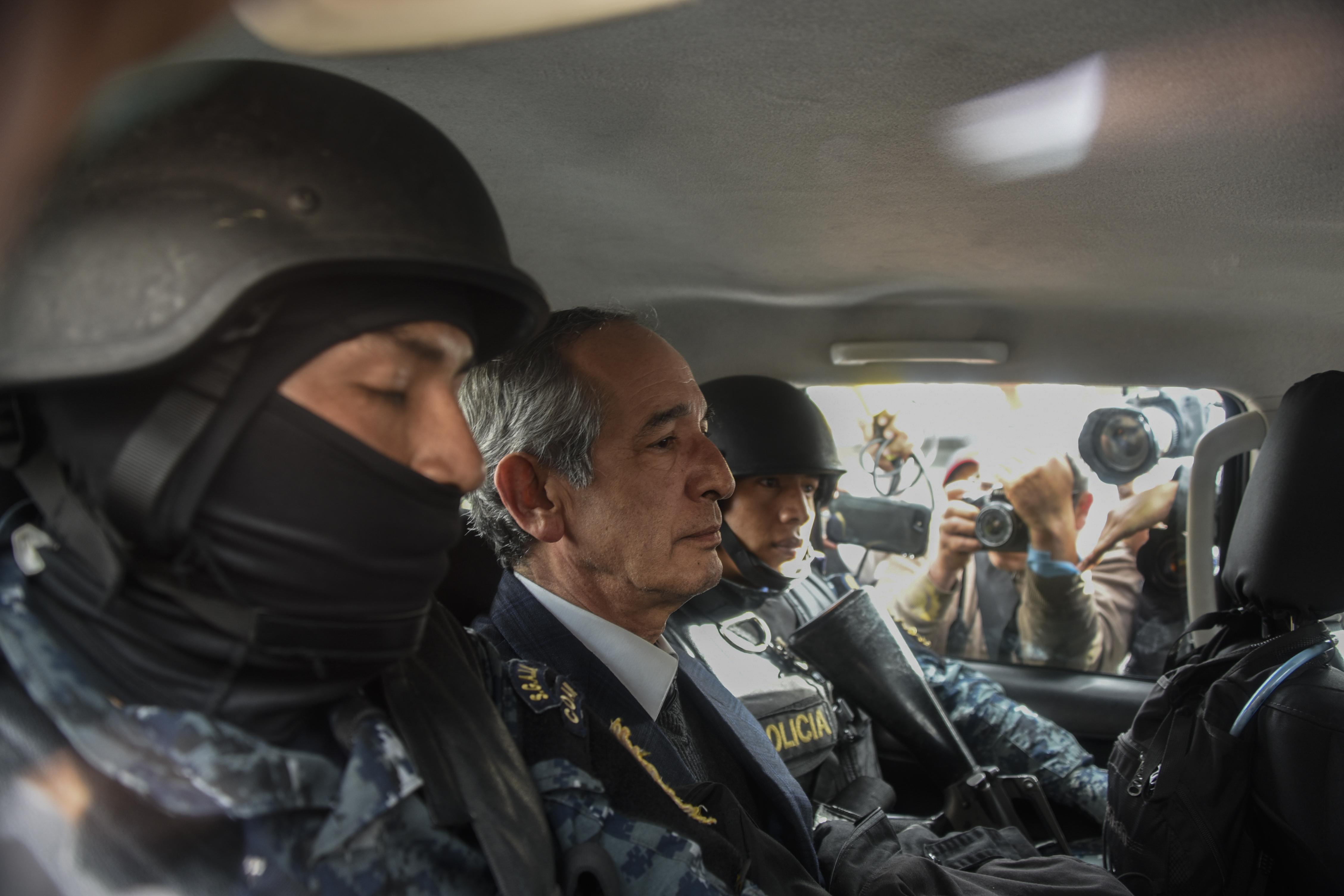Letartóztatták Guatemala volt elnökét és az Oxfam vezetőjét