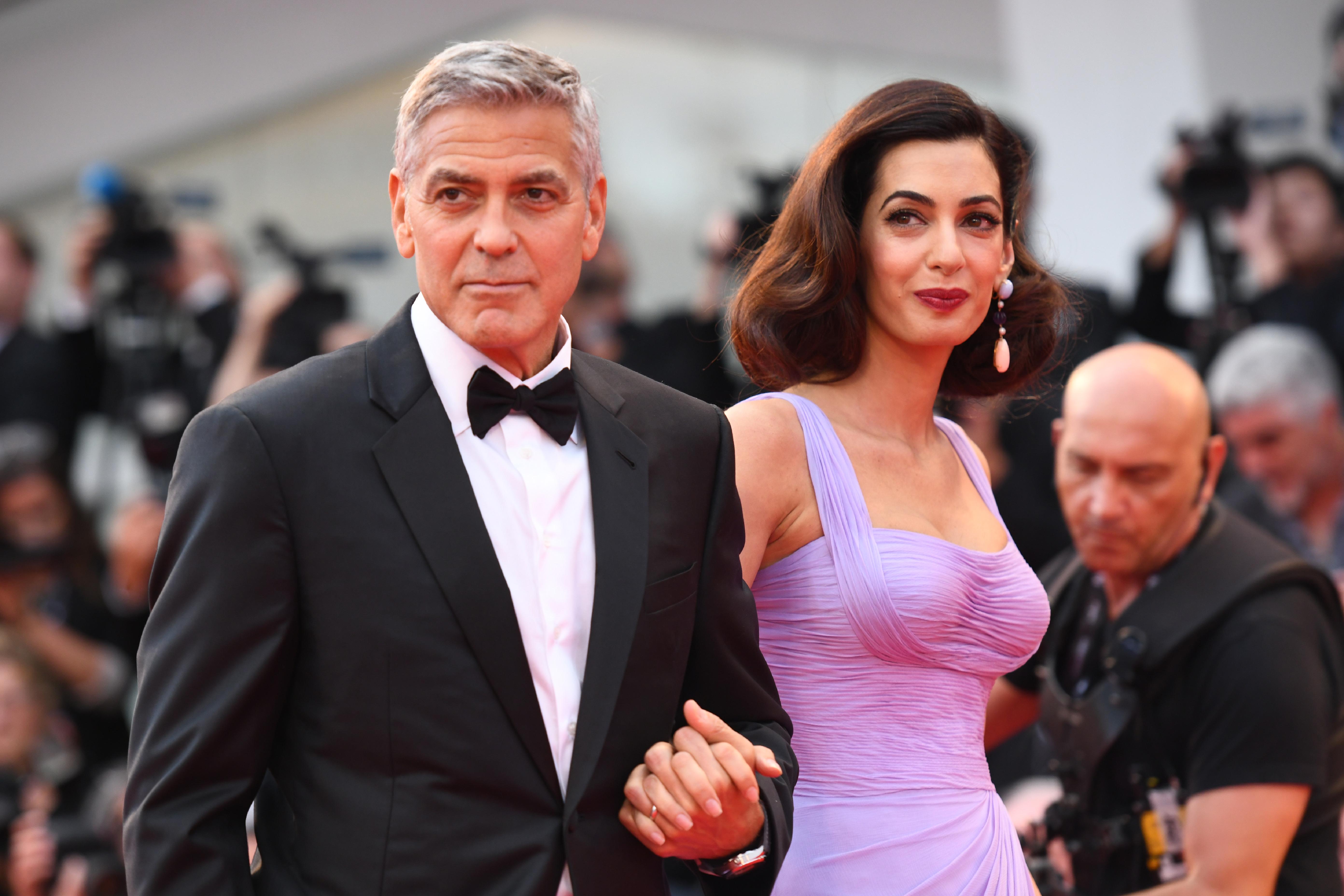 A Clooney házaspár 500 ezer dollárral támogatja a fegyverek elleni felvonulást