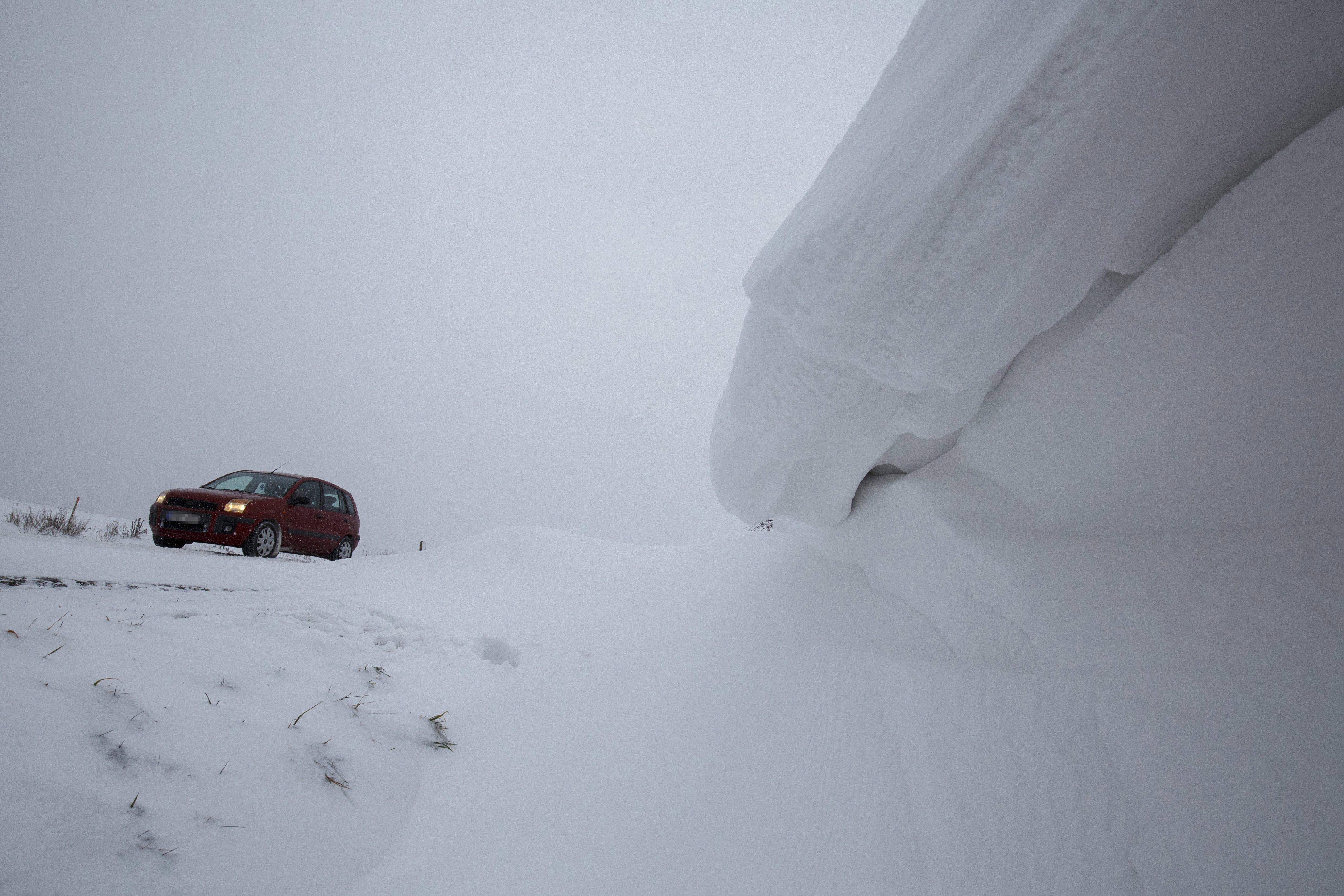 A hó miatt nem kelhetnek át a teherautók Horvátországba Letenyénél