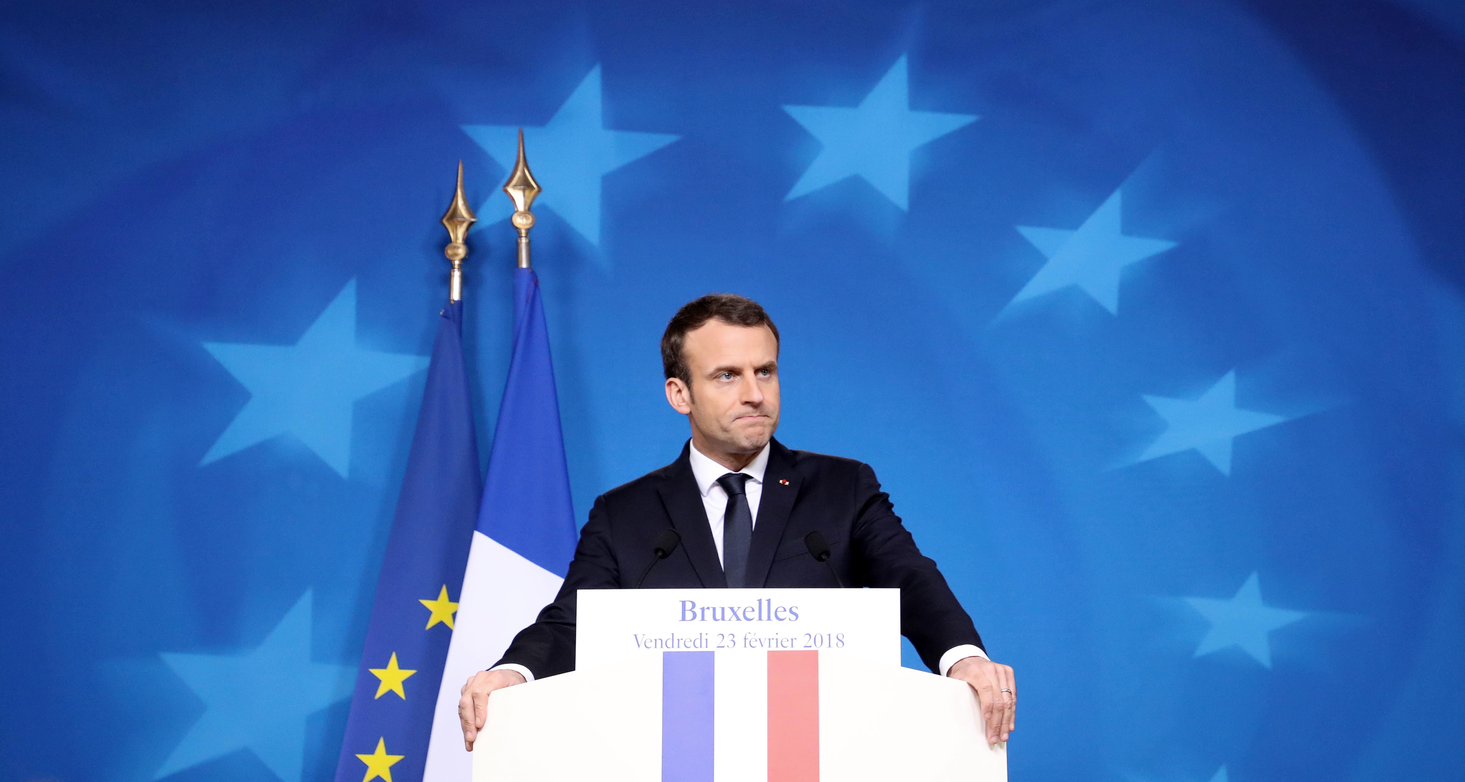 """""""Találok én neked állást az utca túloldalán"""" - nyugtatta a munkanélkülit Emmanuel Macron"""