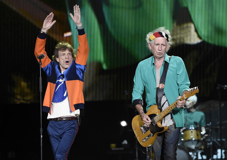 Keith Richards bocsánatot kért, amiért azt mondta, hogy el kéne kötni Mick Jagger ondóvezetékét
