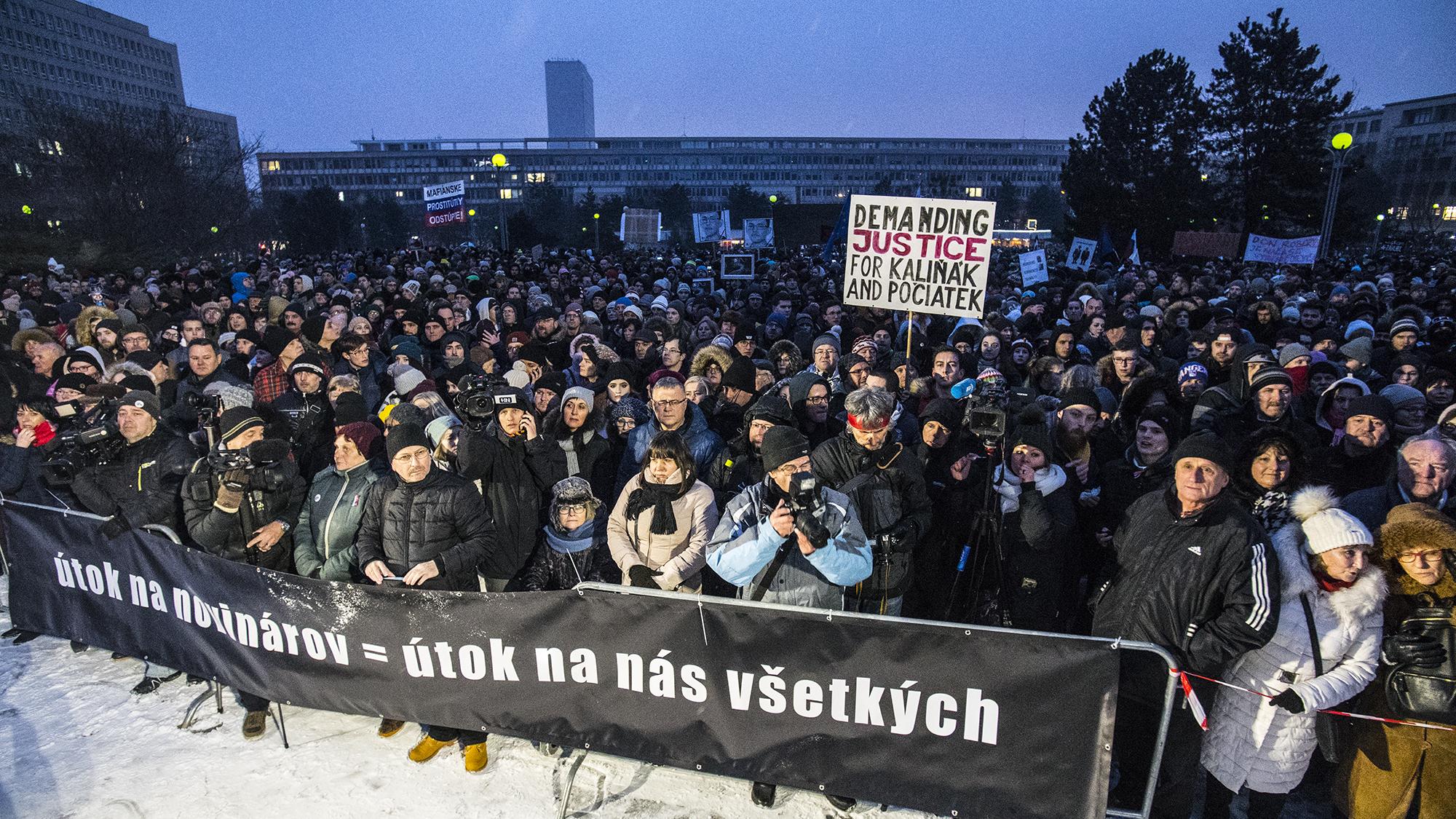 Pozsonyi magyar politológus és a Pozsonyi Magyar Intézet korábbi igazgatója is beszólt Orbánnak