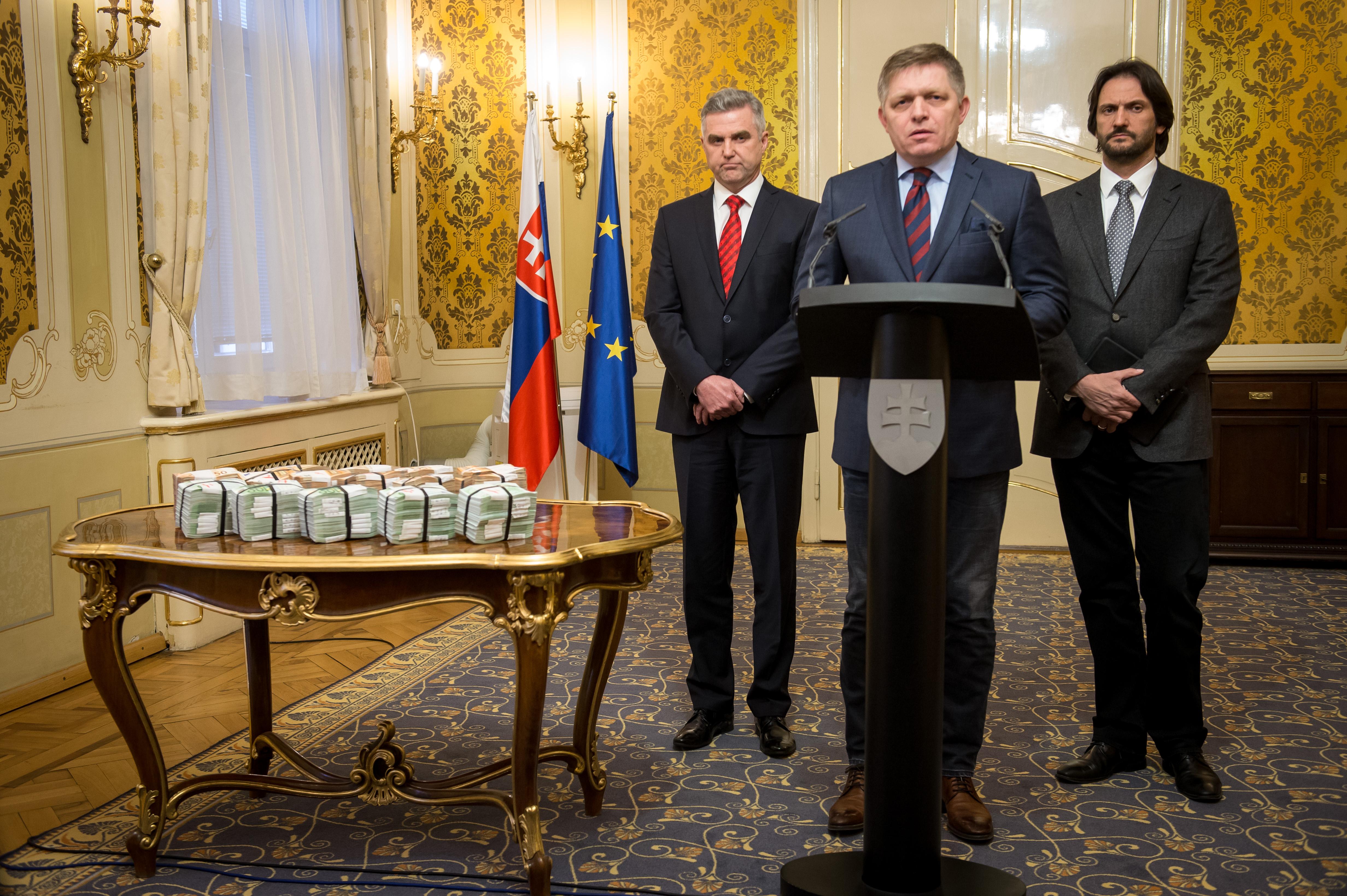 Nem mond le a szlovák belügyminiszter