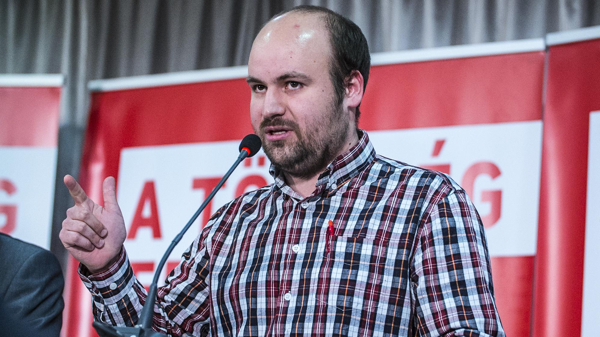 Egy csepeli momentumos képviselő szerint az LMP-s Tóth Sándor átállt a Fideszhez