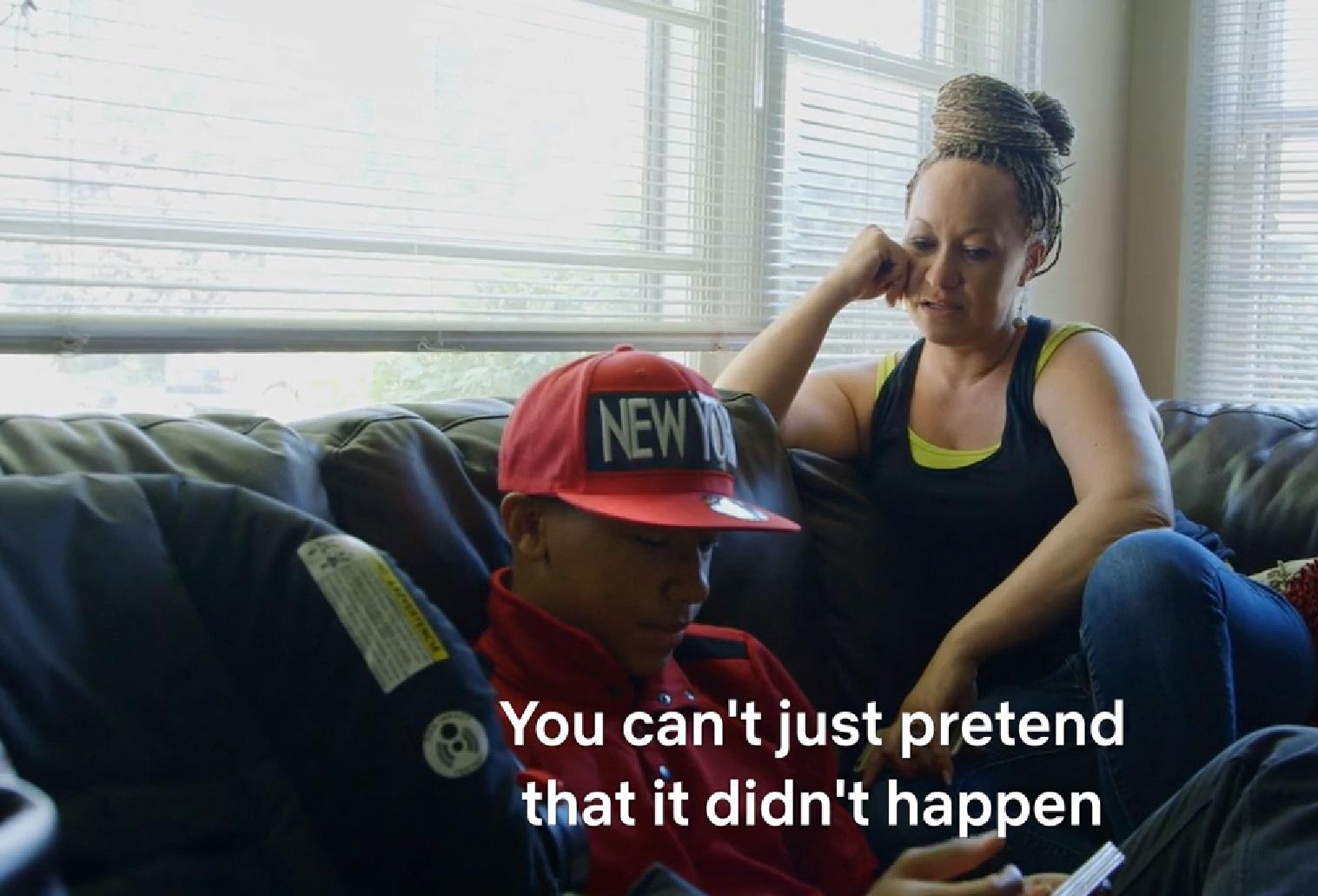 Dokumentumfilm készült a fekete aktivistáról, akiről kiderült, hogy valójában fehér