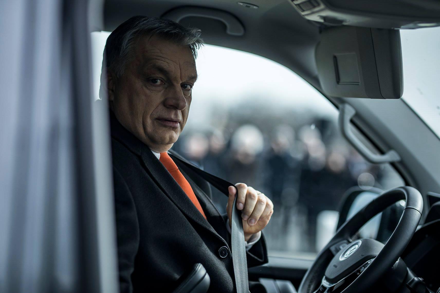 """Orbán: """"Én régóta taposom ezt a szakmát, jelekből is olvasok"""""""