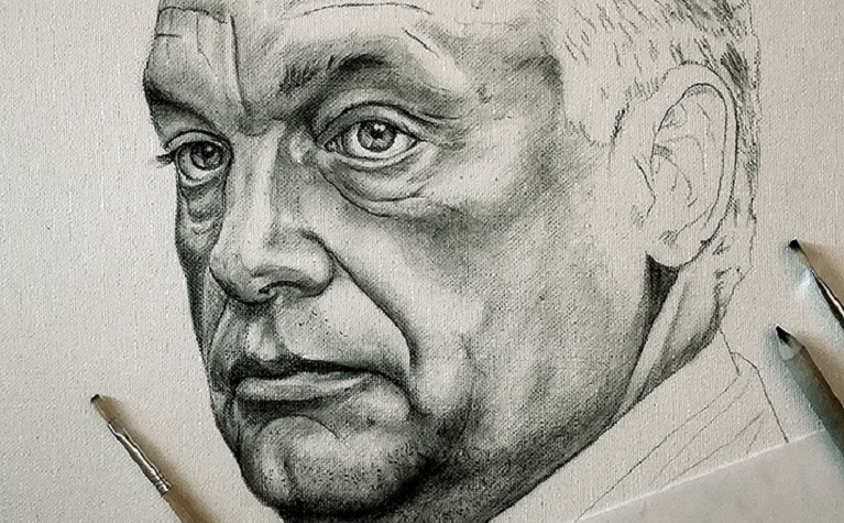 Megtaláltuk a legélethűbb, egyben legijesztőbb Orbán Viktor-fejet rajzolni képes magyar politikust, Tállai András kihívóját