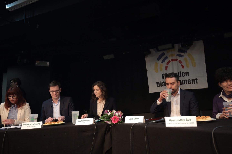 Elkezdődött az ellenzéki miniszterelnök-jelöltek vitája