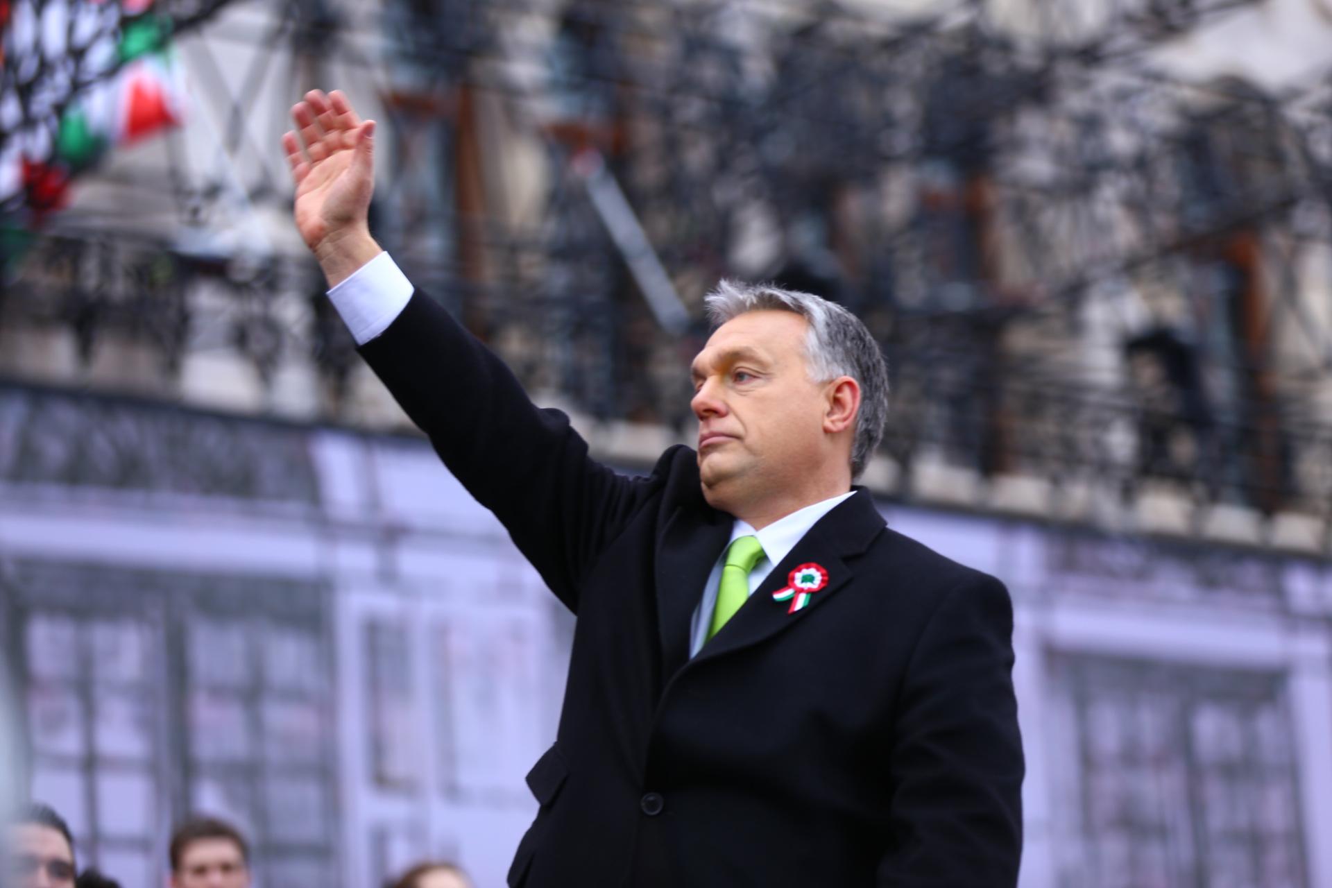 Török Gábor szerint Orbán Viktor komoly politikai hibát követett el a fenyegetőzéssel